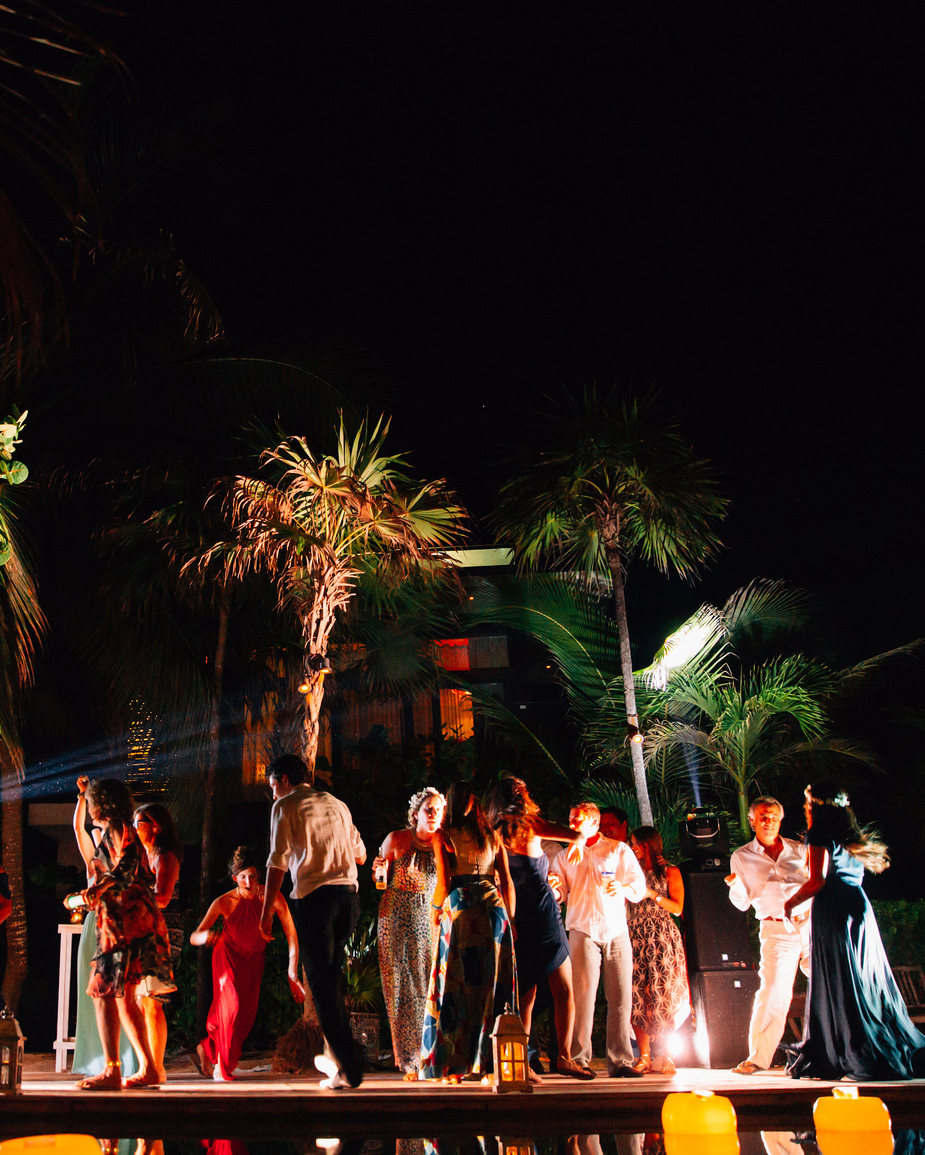 olivia-keith-wedding-dancing-129-s112304-0815.jpg