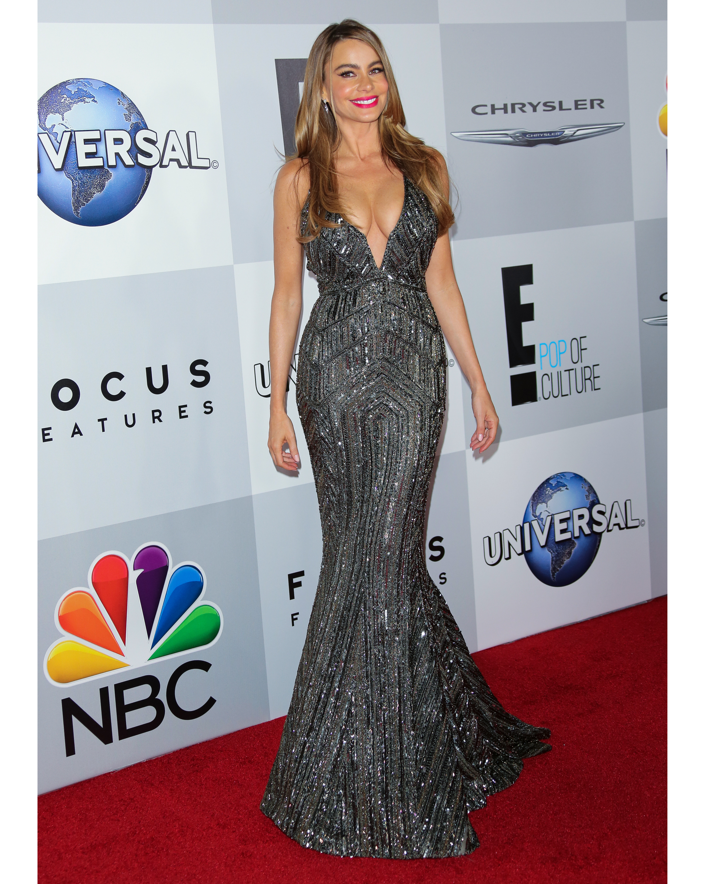 sofia-vergara-red-carpet-nbc-universal-golden-globes-after-party-zuhair-murad-black-sparkly-0815.jpg