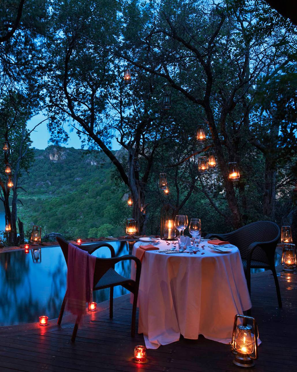 singita-pamushana-lodge-africa-wedding-venue-dinner-0815.jpg