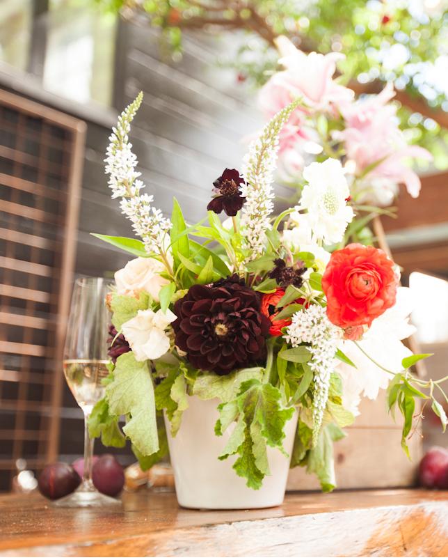 alicia-lund-nikki-bridal-shower-flower-arrangement-0715.jpg