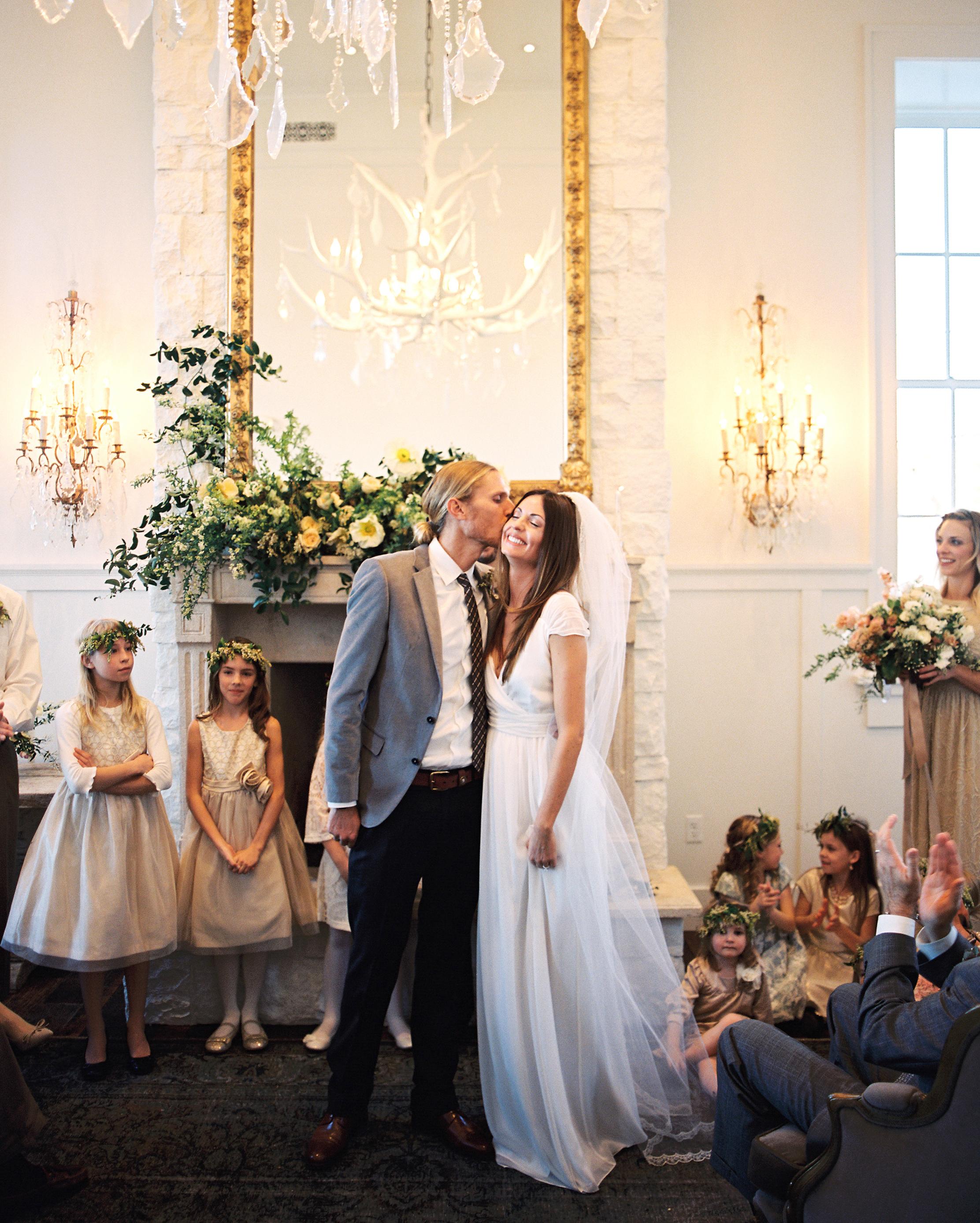 rachel-tyson-wedding-kiss-074-s112158-0915.jpg