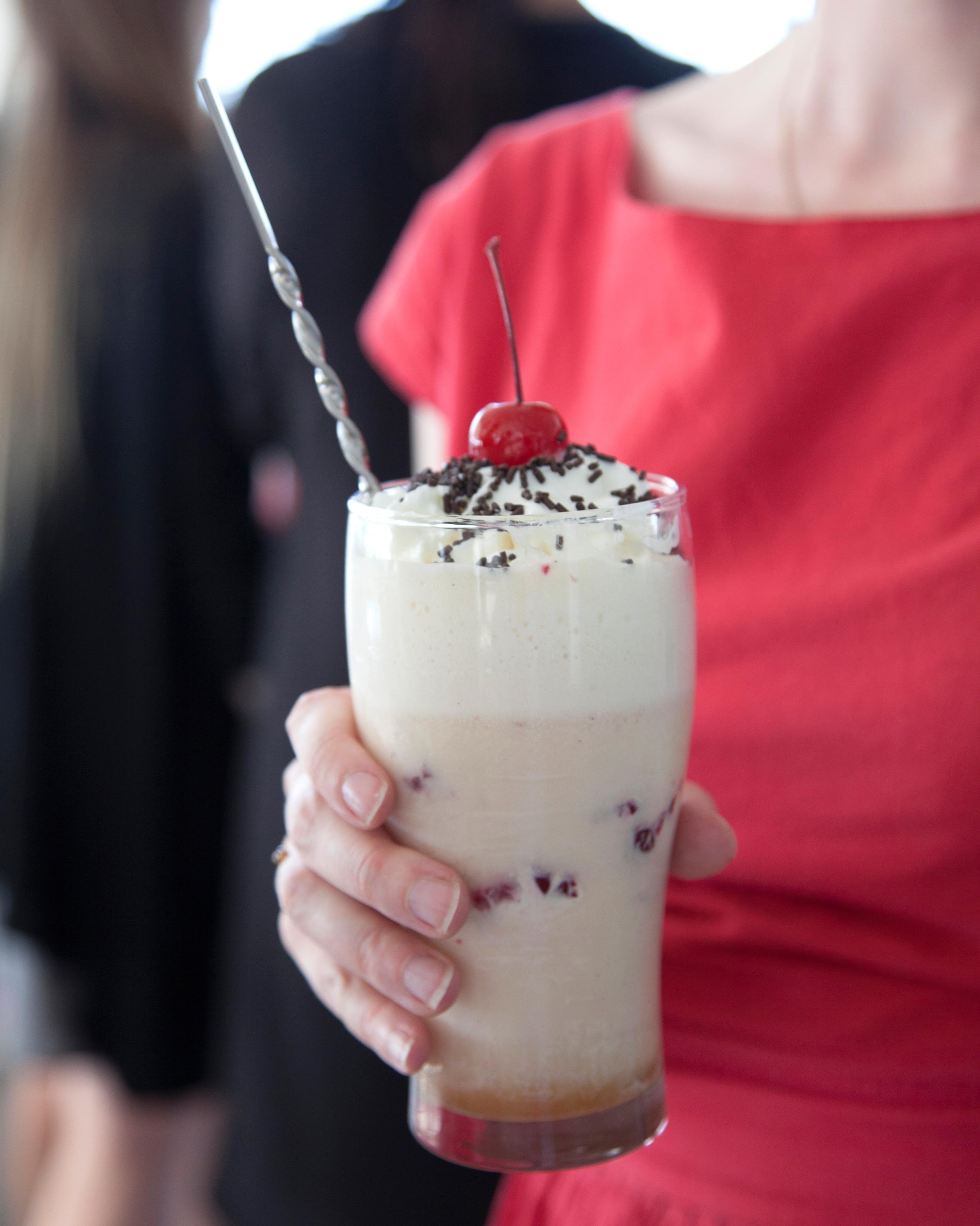 retro-ice-cream-parlor-bridal-shower-milkshake-sources-0815.jpg