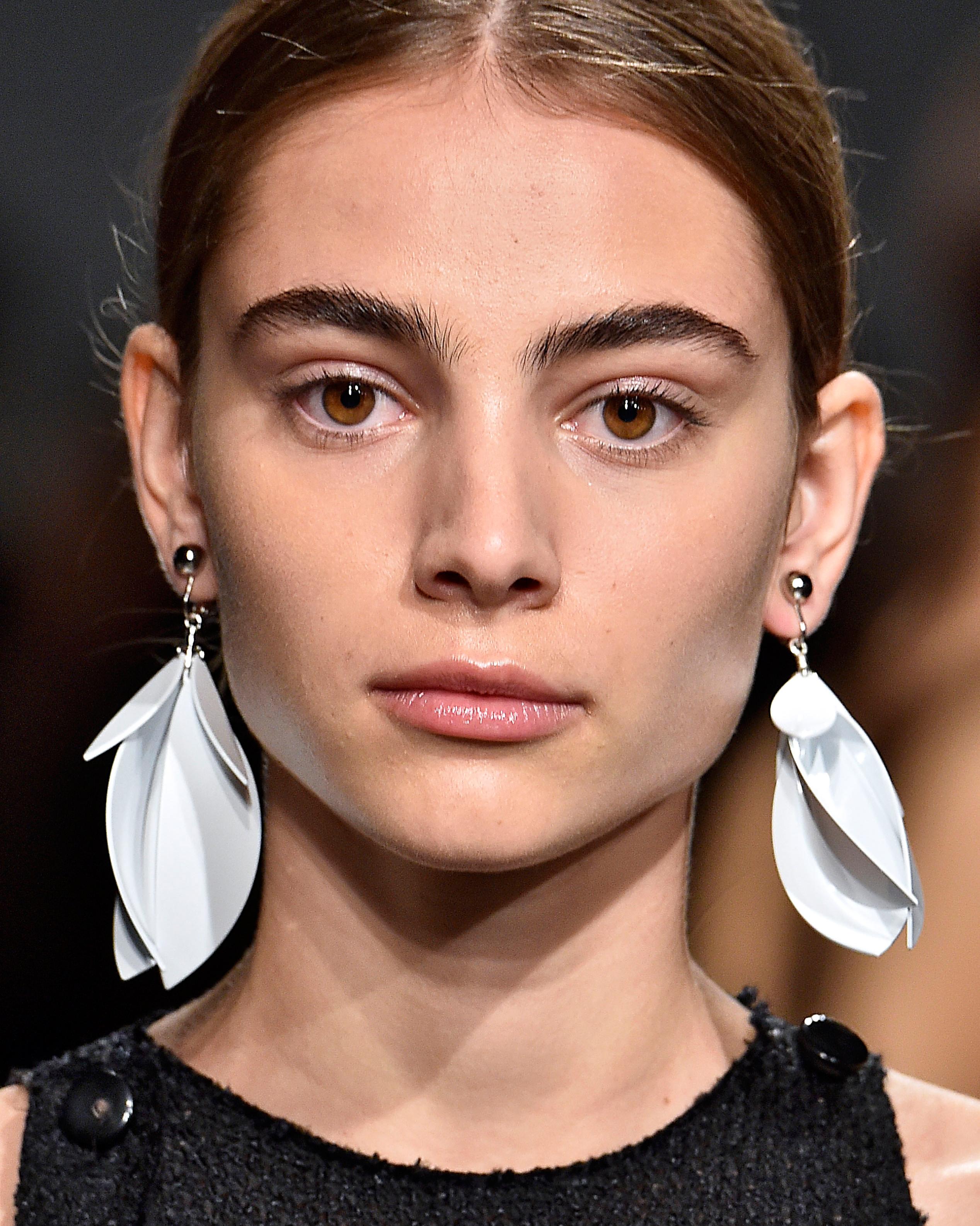 sp16-nyfw-bridal-accessories-proenza-schouler-earrings-0915.jpg