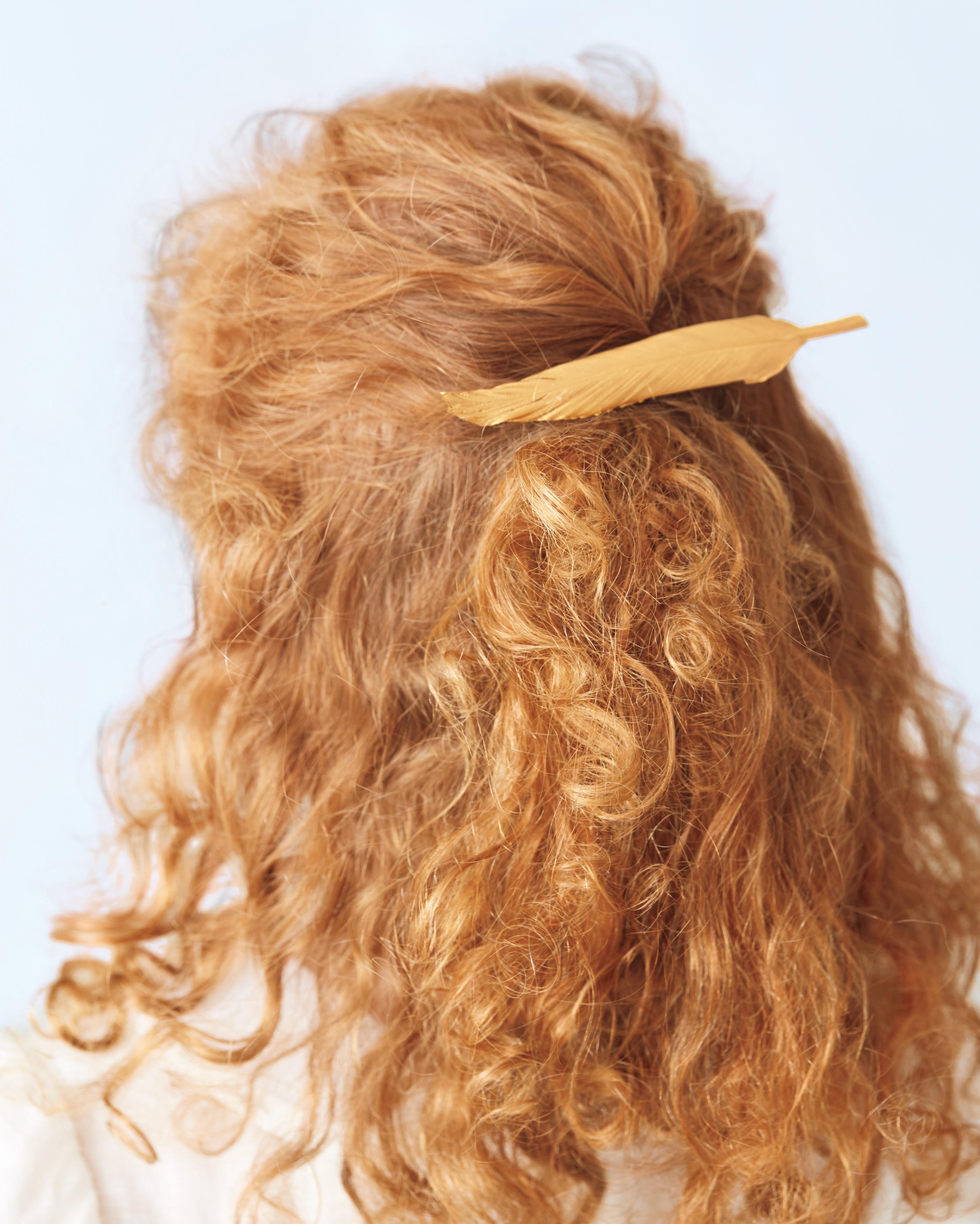 flower-girl-hair-clip-033-d112122.jpg