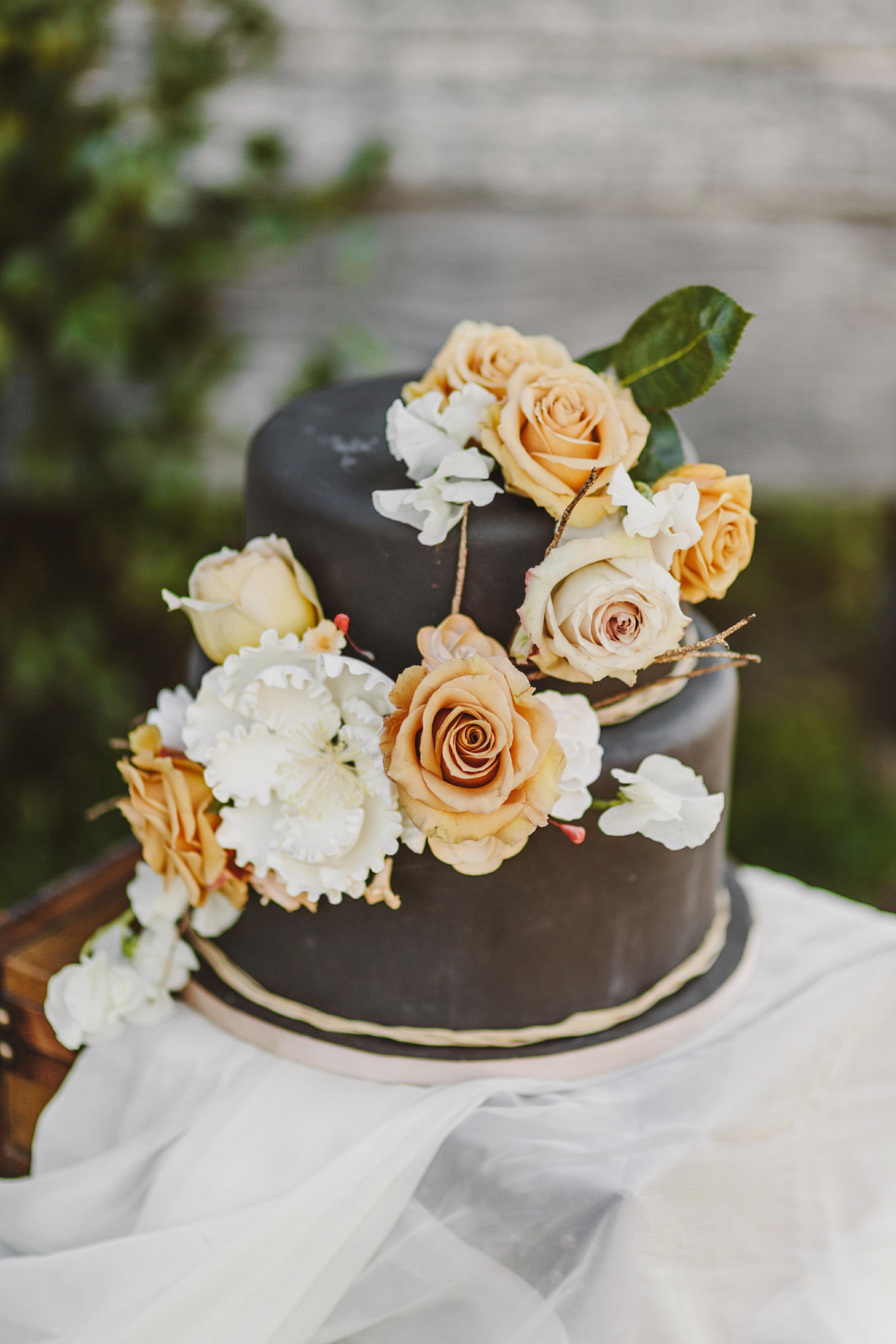 fall wedding cakes kate ann photography