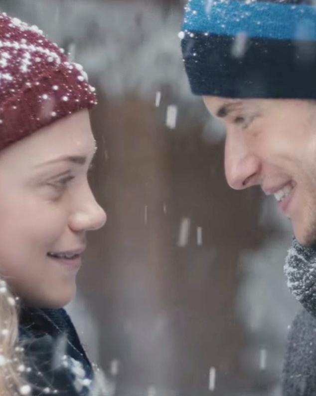 extra-gum-commercial-snow-1014.jpg
