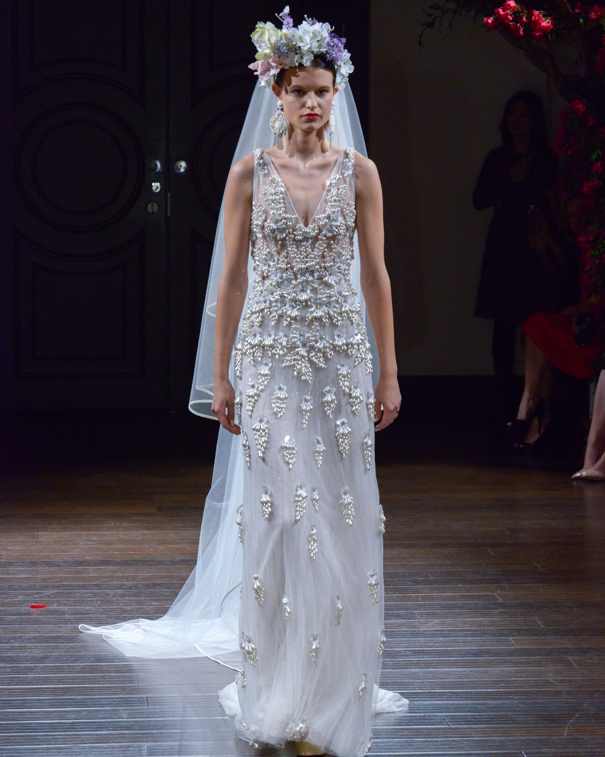 naeem-khan-fall2016-d112626-004.jpg