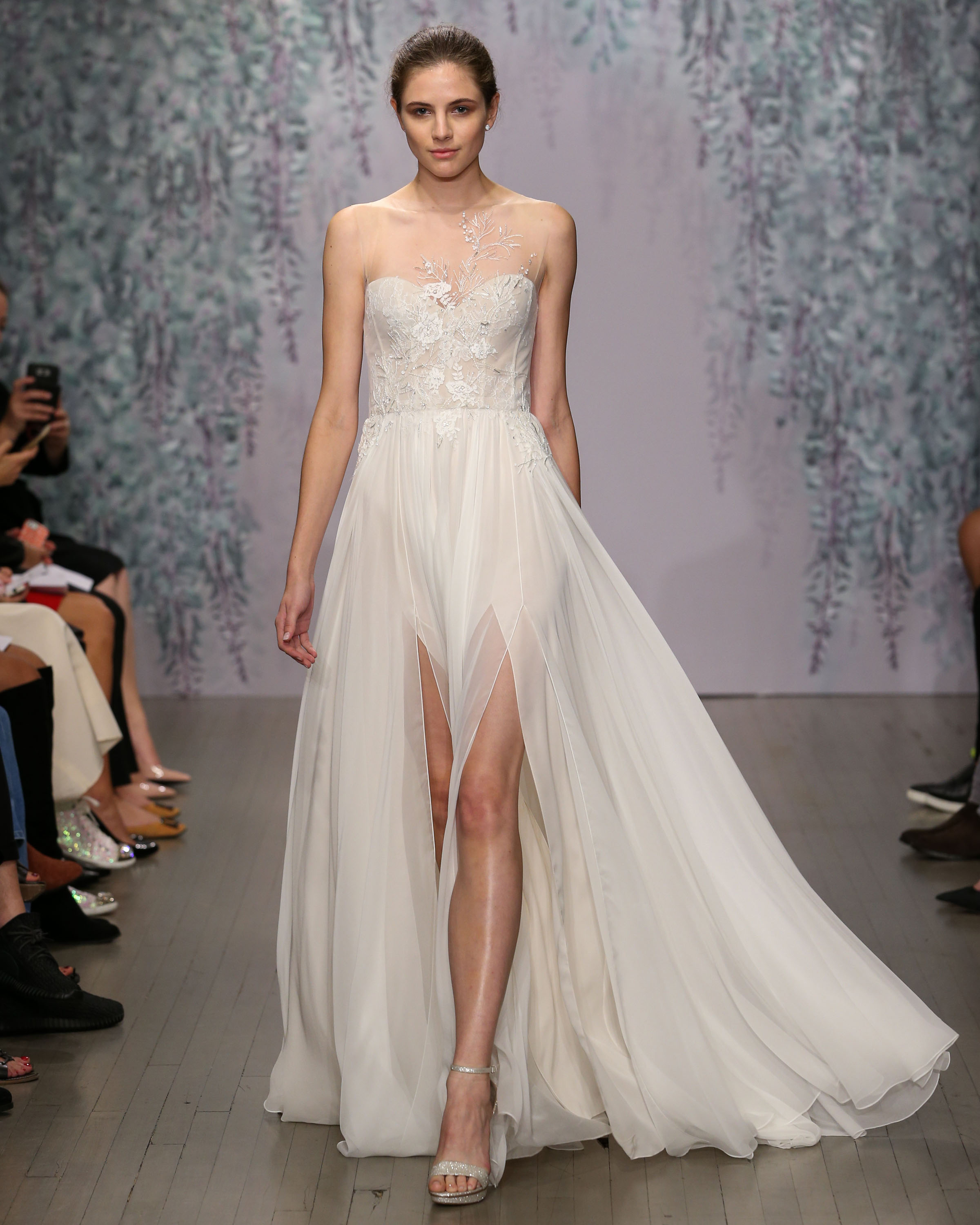 monique-lhuillier-fall2016-d112626-002.jpg