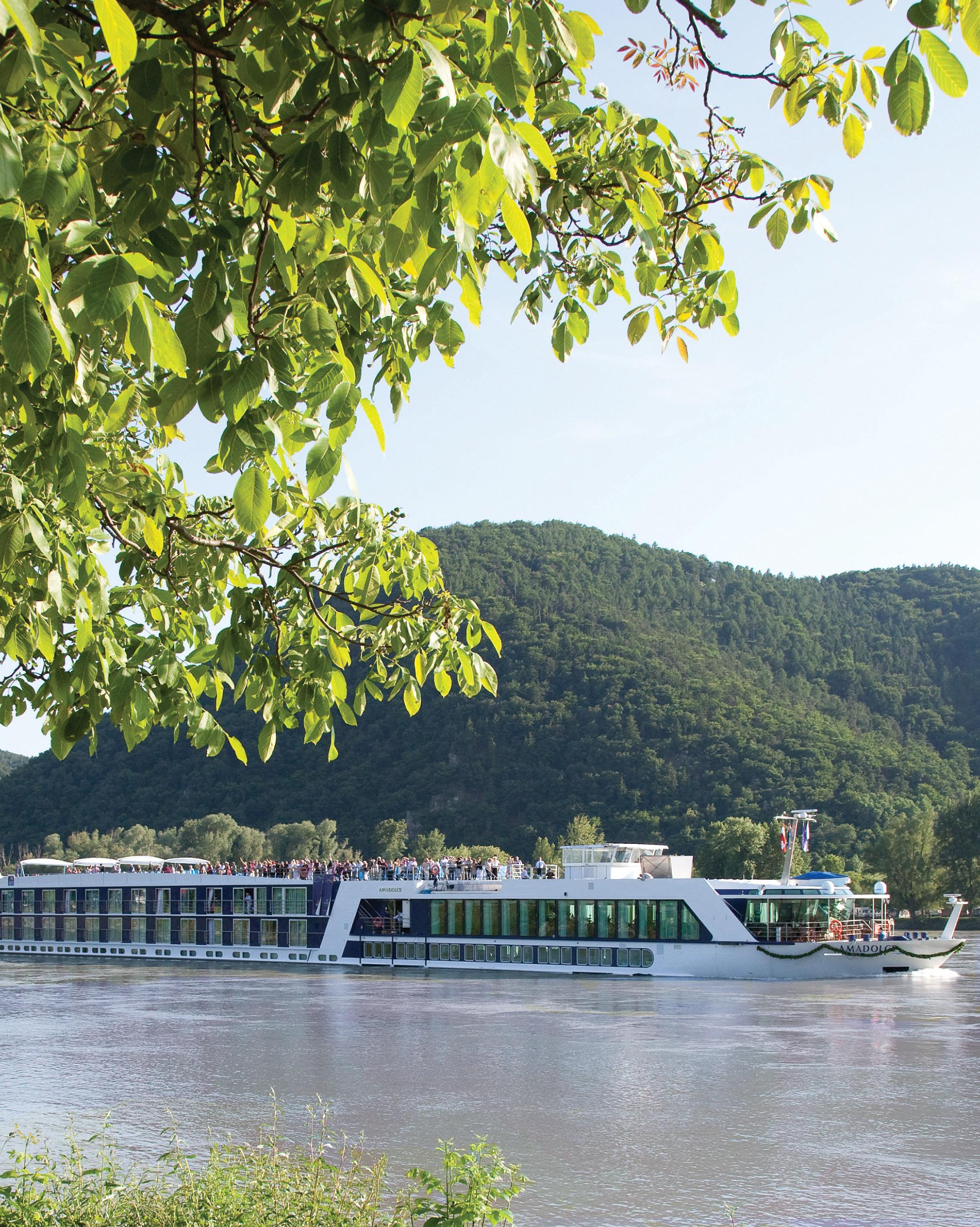 honeymoon-cruise-amawaterways-1015.jpg