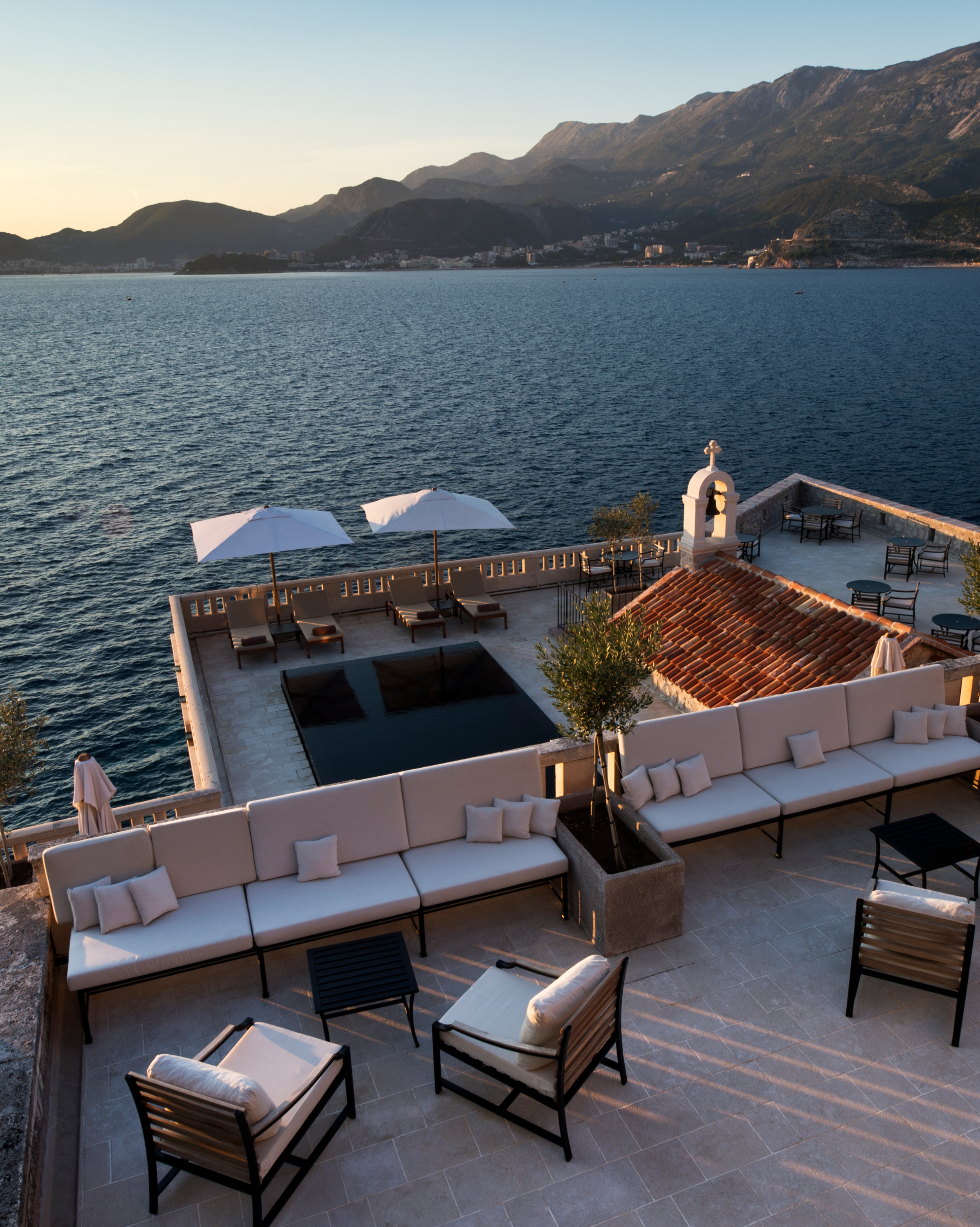 celebrity-wedding-venues-aman-sveti-stefan-upper-terrace-1015.jpg