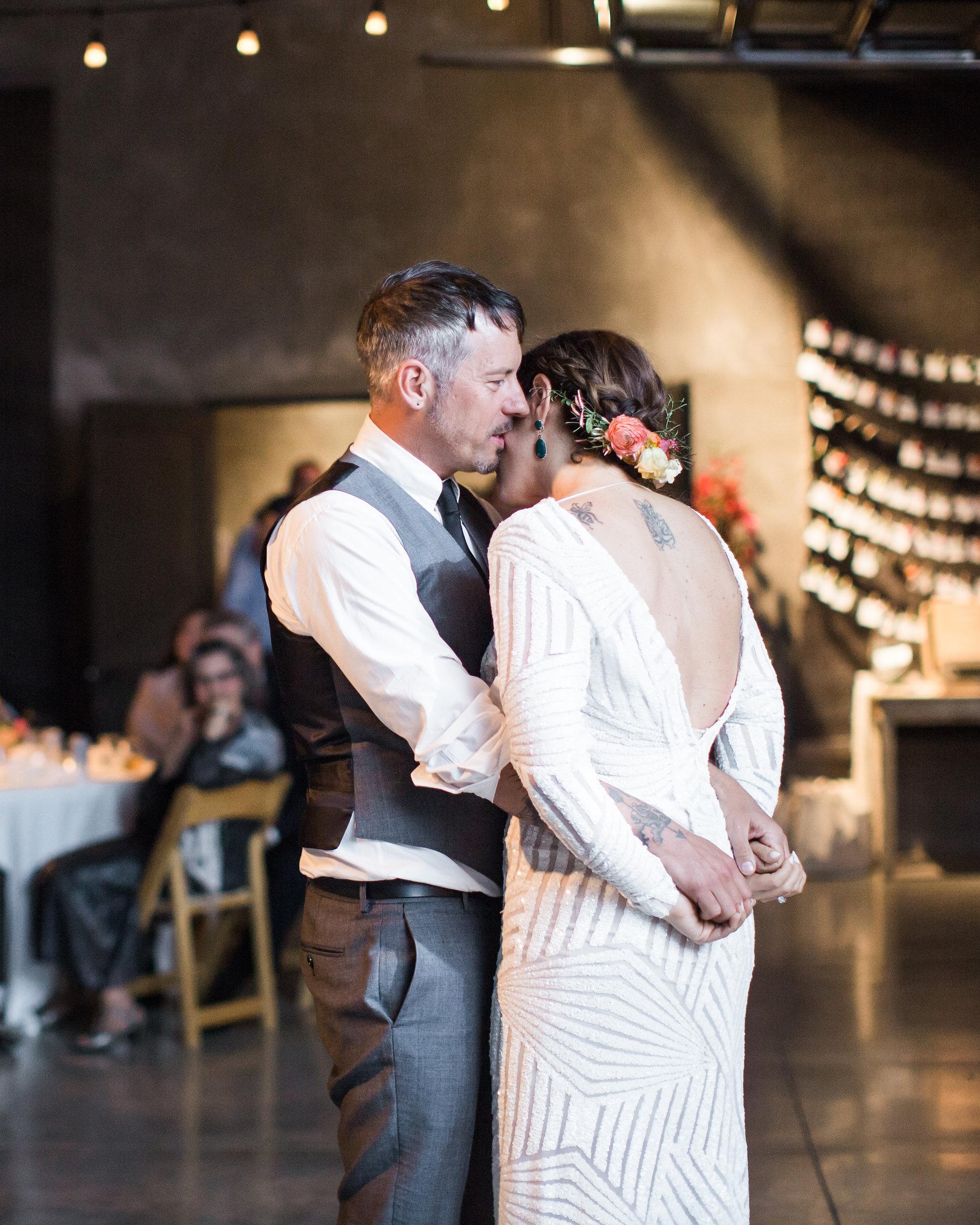 lara-chad-wedding-firstdance-719-s112306-1115.jpg