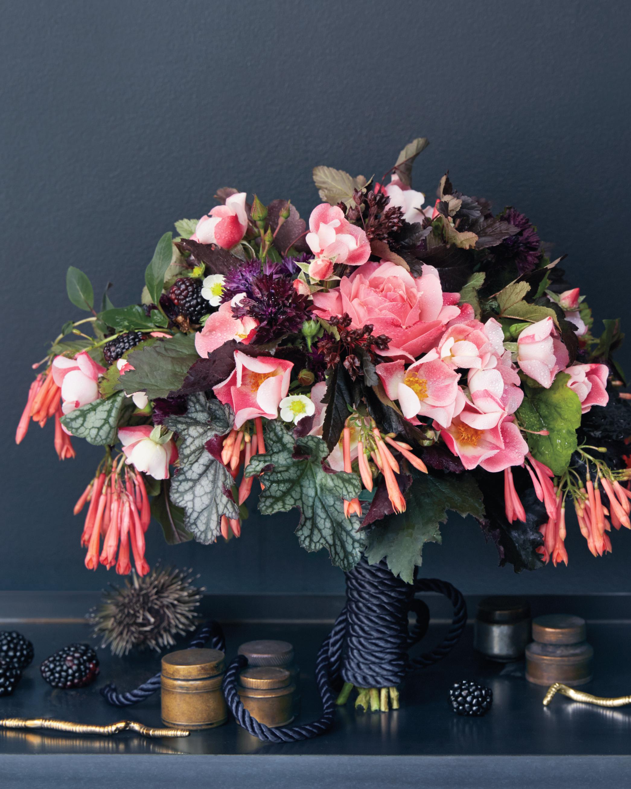 shelf-with-bouquet-097-exp-4-d111438.jpg