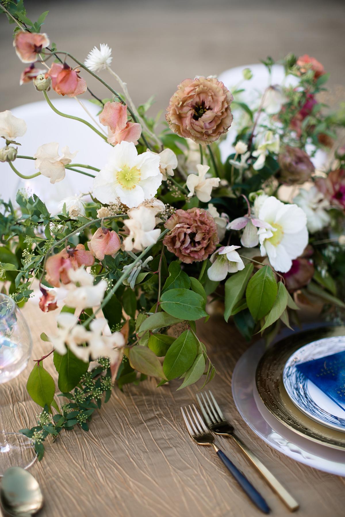 fall wedding flowers neutral rosebuds