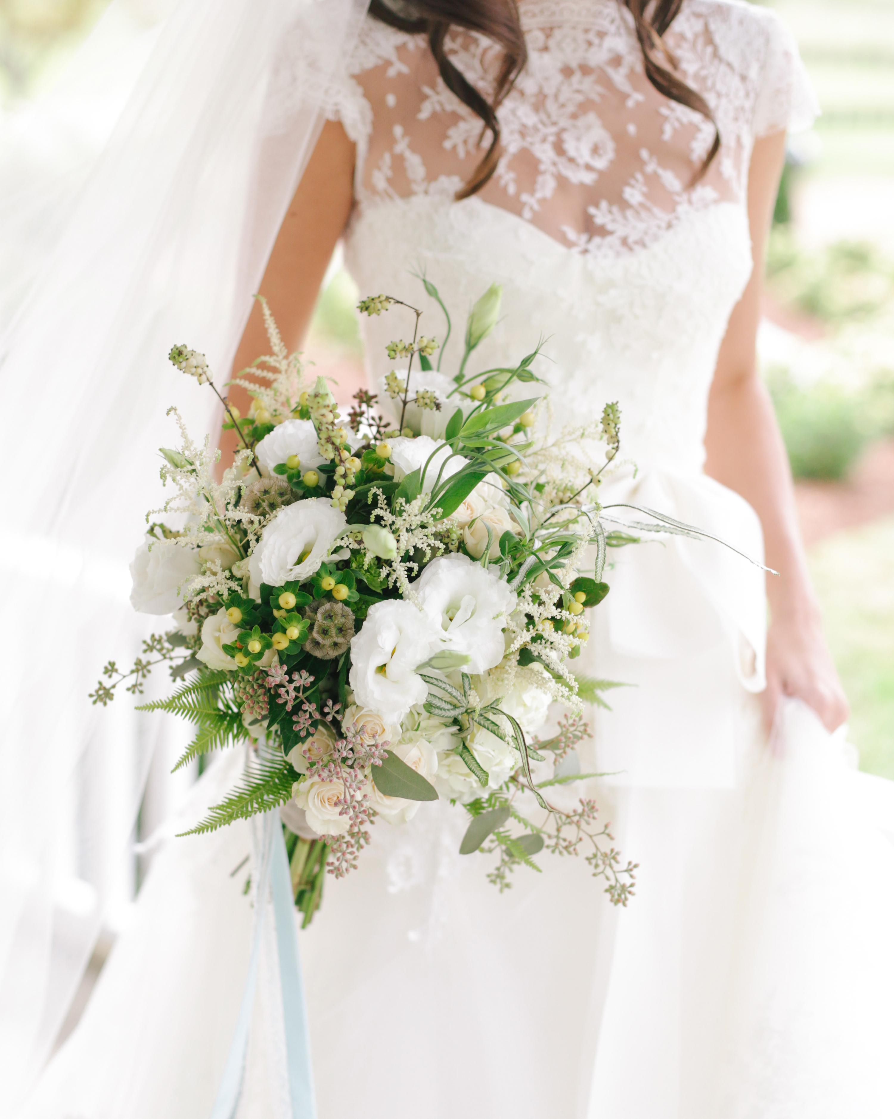 destiny-taylor-wedding-bouquet-103-s112347-1115.jpg