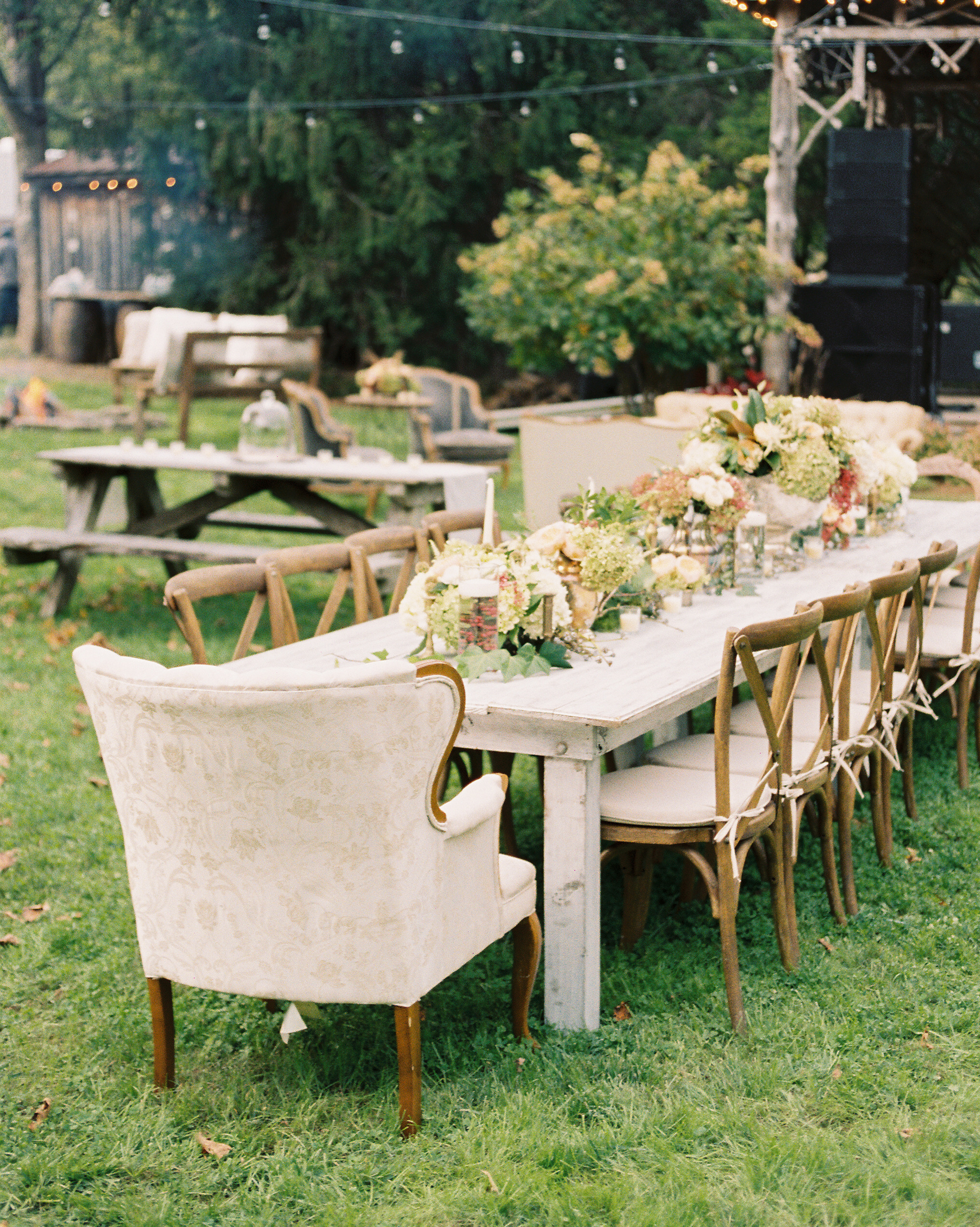 destiny-taylor-wedding-table-297-s112347-1115.jpg