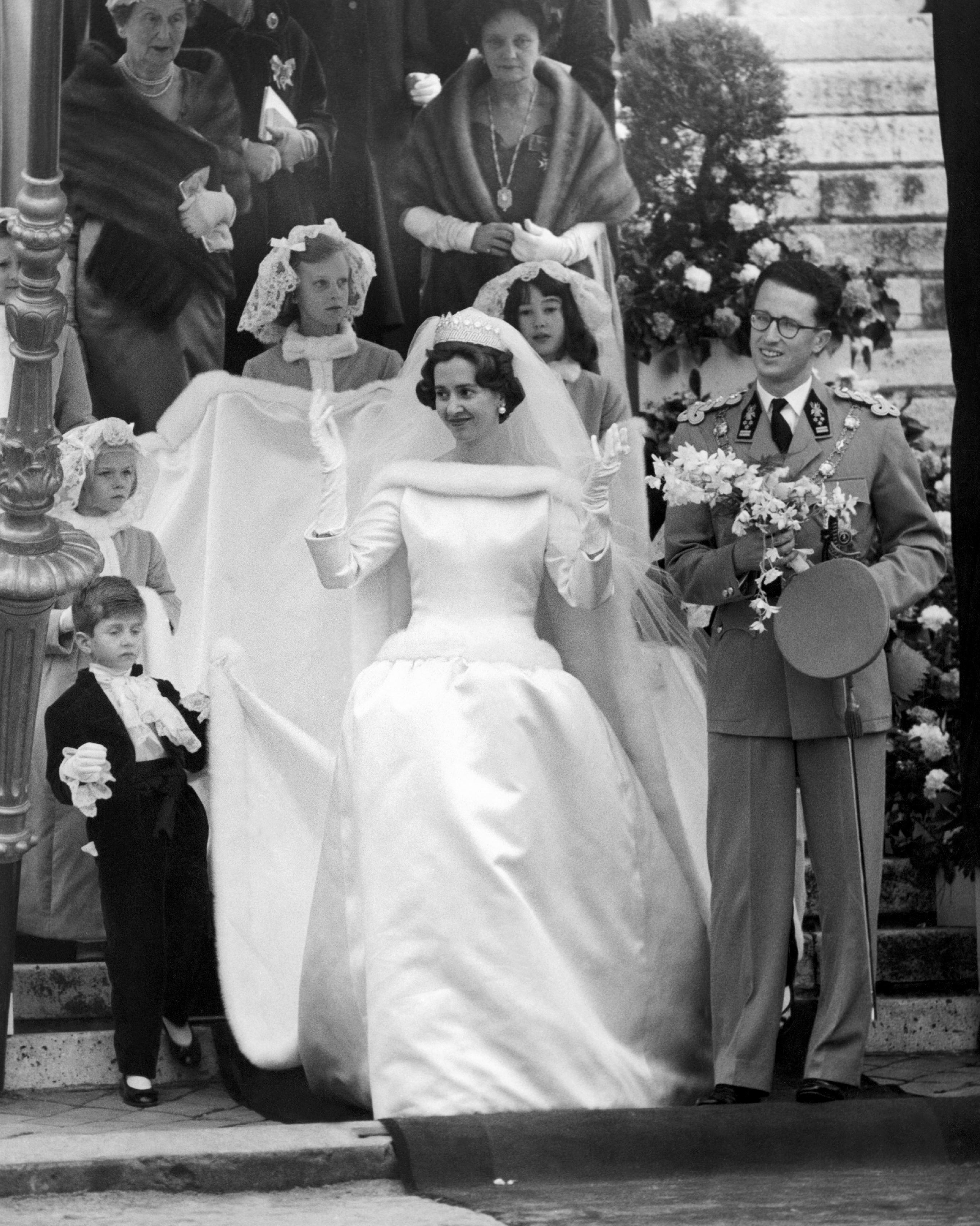 royal-wedding-dress-queen-fabiola-belgium-106752023-1115.jpeg