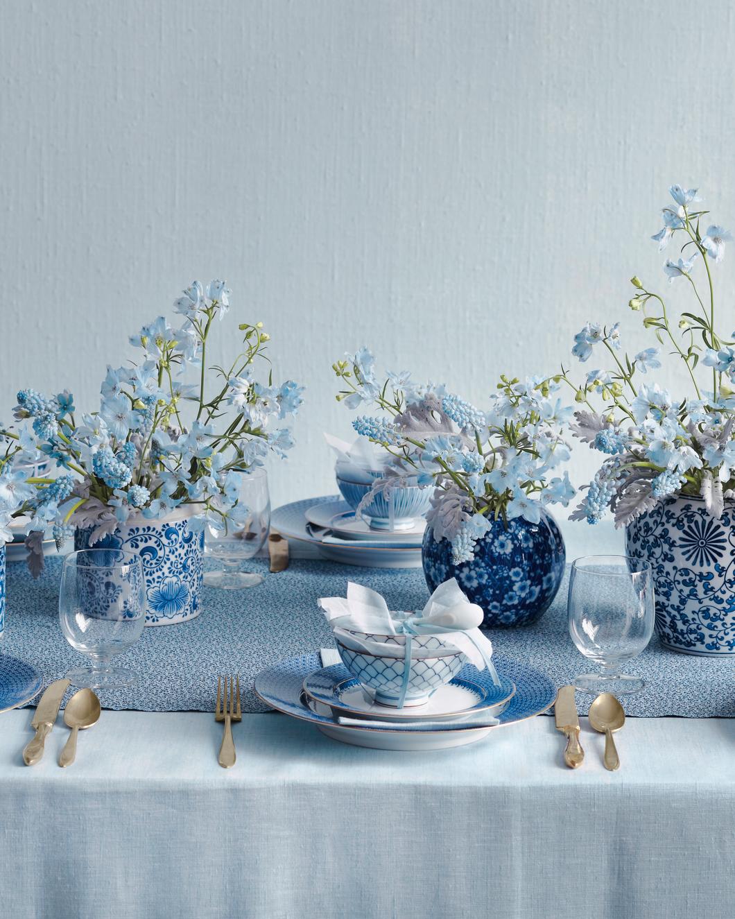 palette-blue-centerpiece-mwd108489.jpg