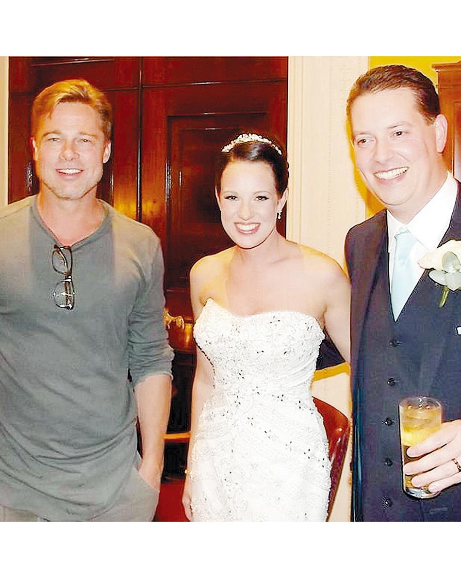 celebrity-wedding-crashers-brad-pitt-1215.jpg
