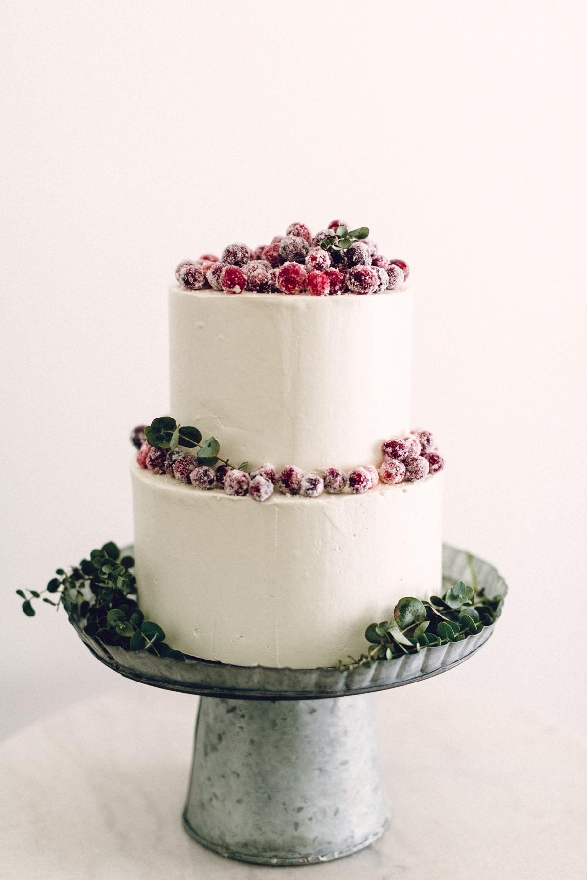 Christmas Wedding Cake Toppers.Winter Wedding Cake Designs Martha Stewart Weddings