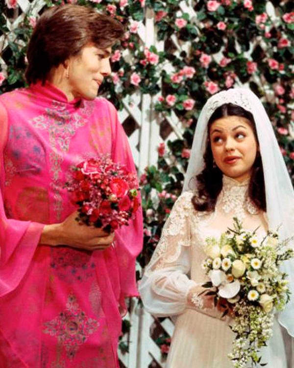 tv-wedding-dresses-that-70s-show-mila-kunis-ashton-kutcher-1115.jpg