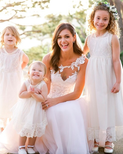 celebrity-wedding-moments-desiree-hartsock-with-flower-girls-1215.jpg