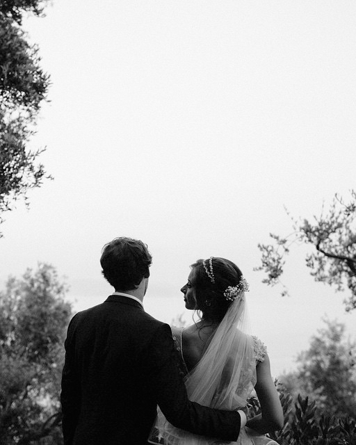 celebrity-wedding-moments-alyson-michalka-stephen-ringer-1215.jpg