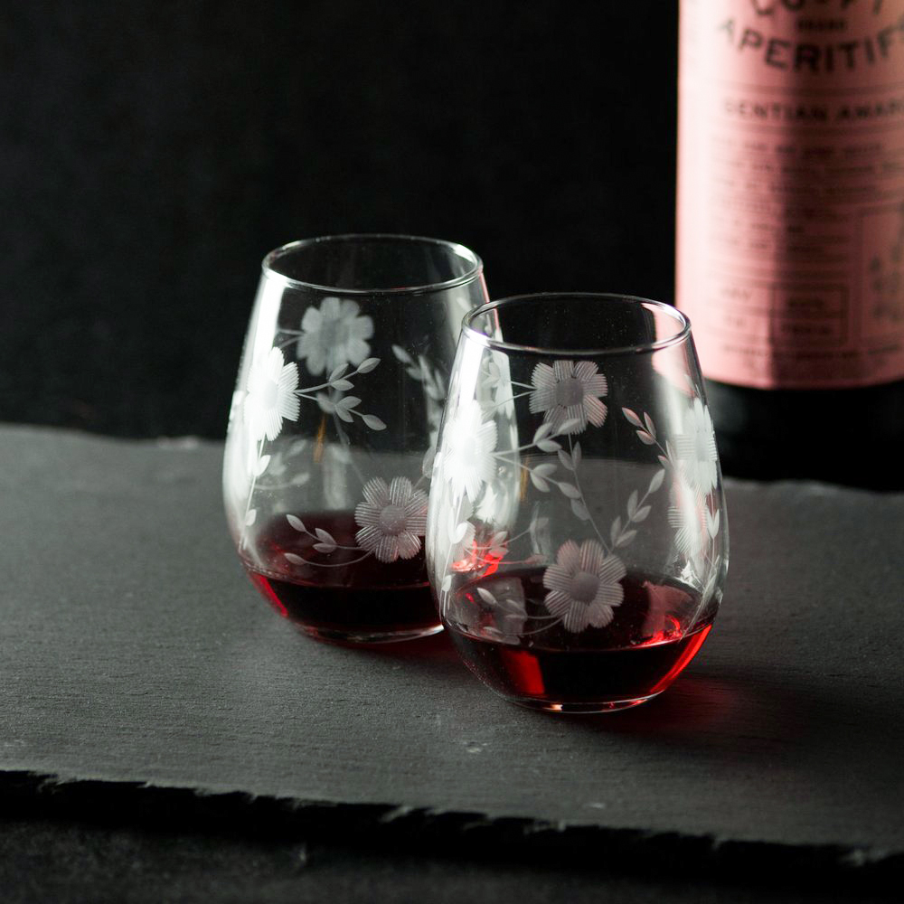 under 50 gift ideas engraved floral glassware with wine