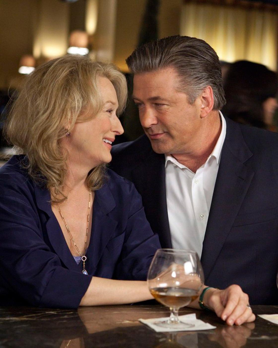 its-complicated-movie-scene-meryl-streep-alec-baldwin-drinking-wine-0116.jpg