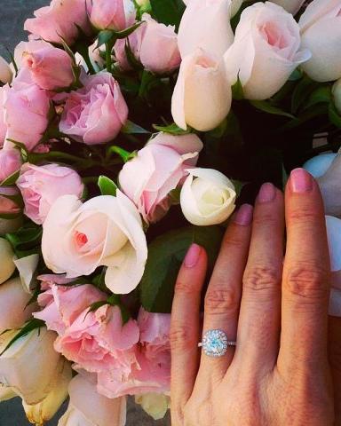 instagram-engagement-ring-selfie-roses-0116.jpg