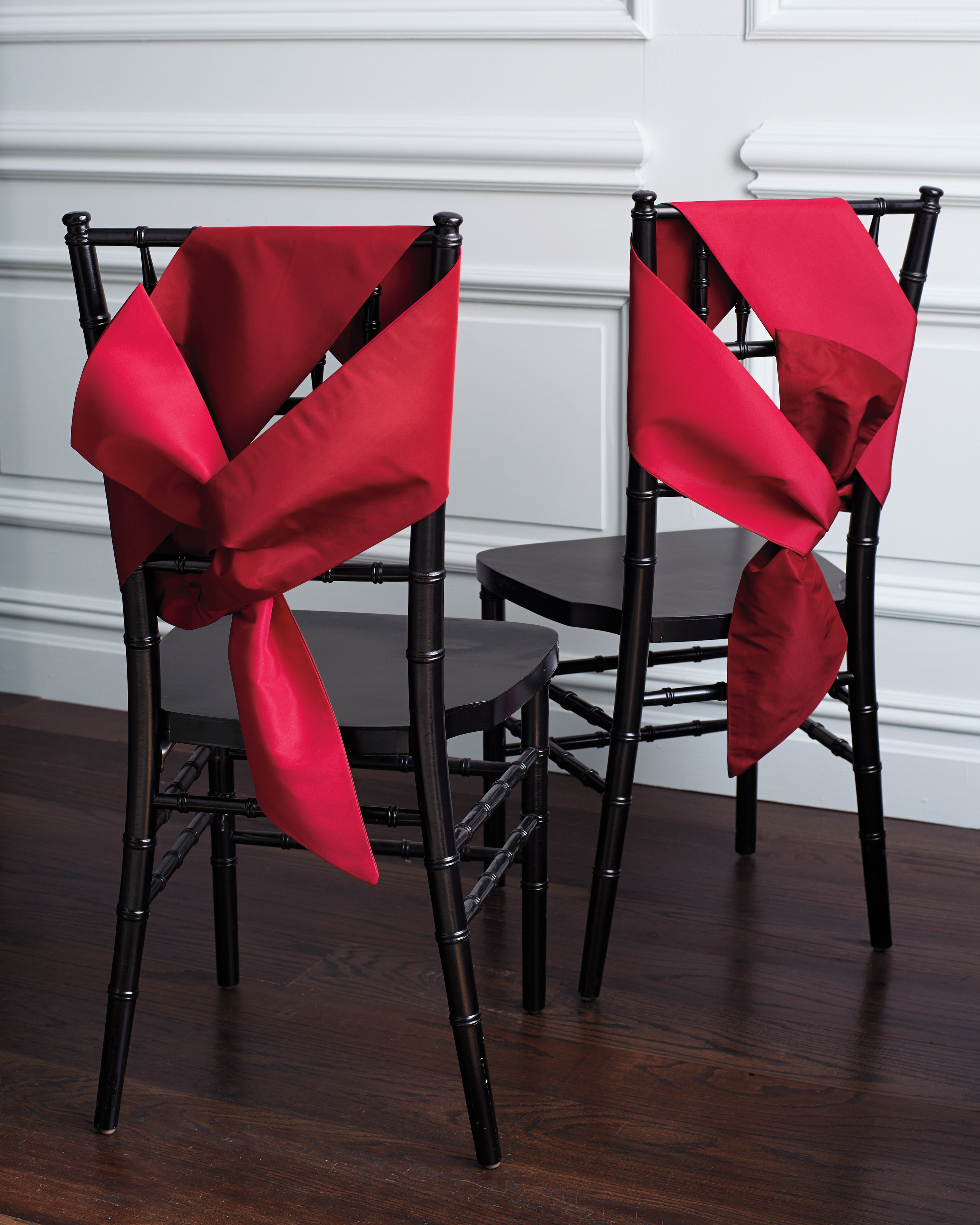knots-chair-back-fabric-knot-0296-under-exposure-d112254.jpg