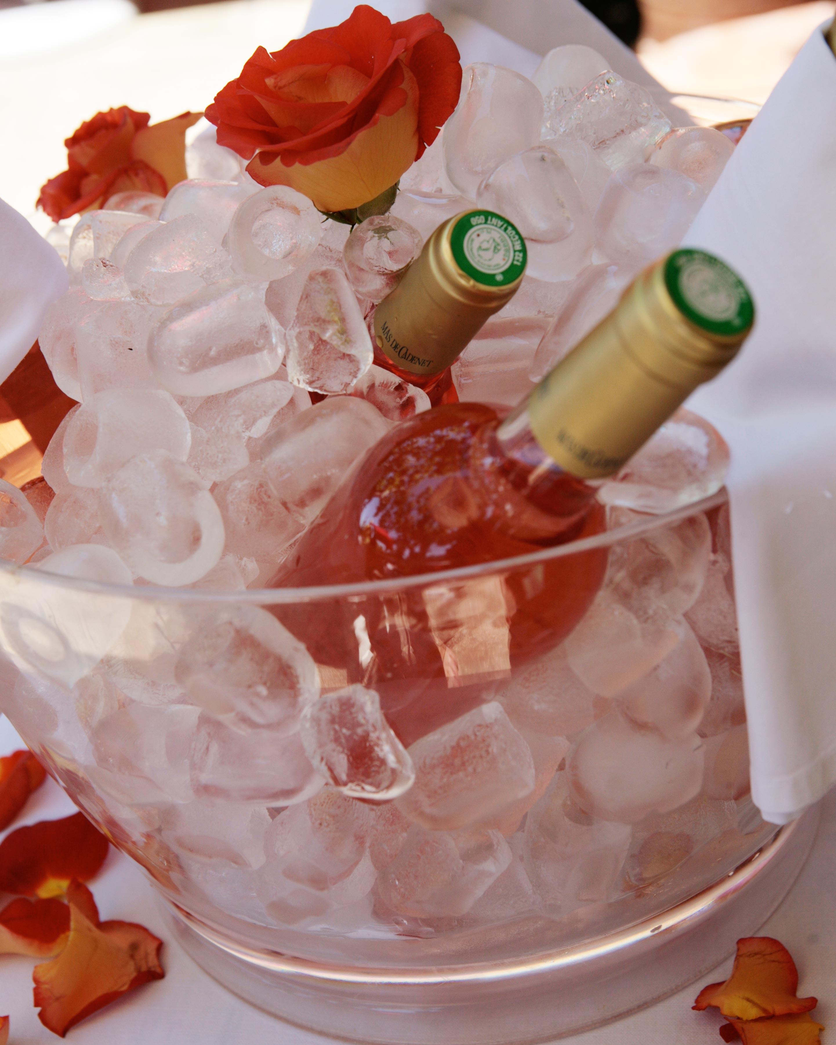 valentines-day-wedding-ideas-rose-0216.jpg