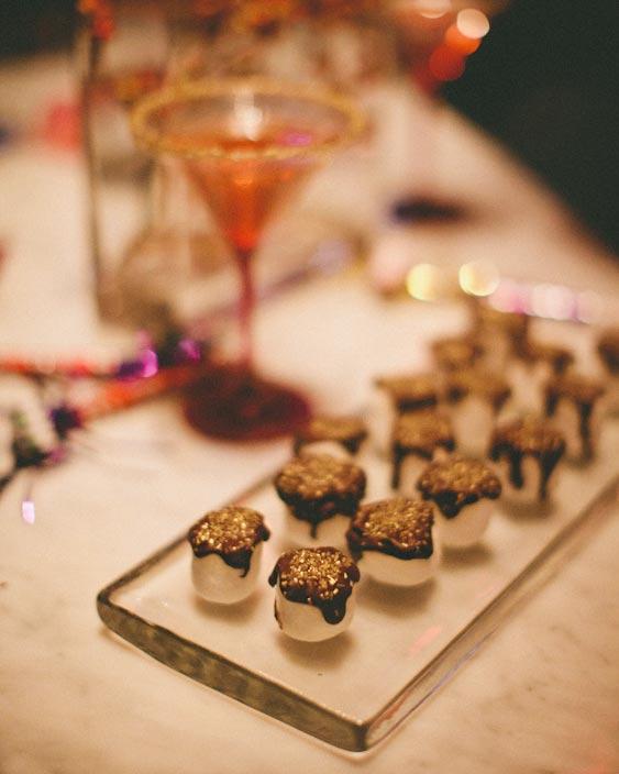 valentines-day-wedding-ideas-dessert-0216.jpg
