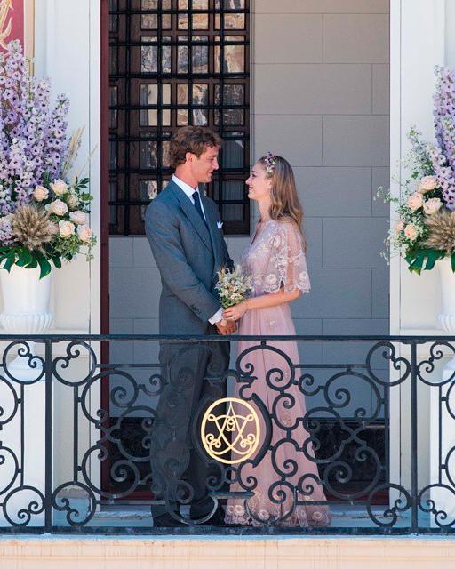 celebrity-pink-wedding-dresses-beatrice-borromeo-0815.jpg