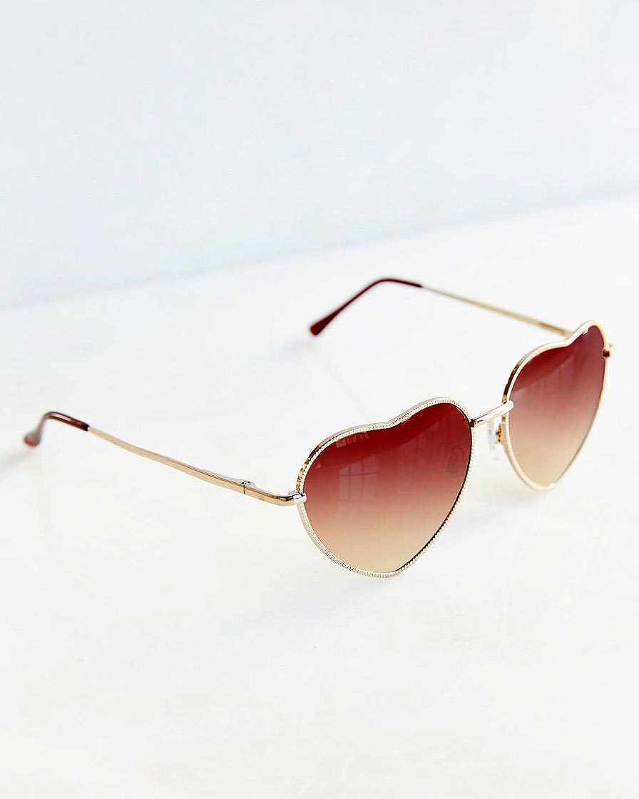 galentines-day-urban-outfitters-heart-sunglasses-0216.jpg