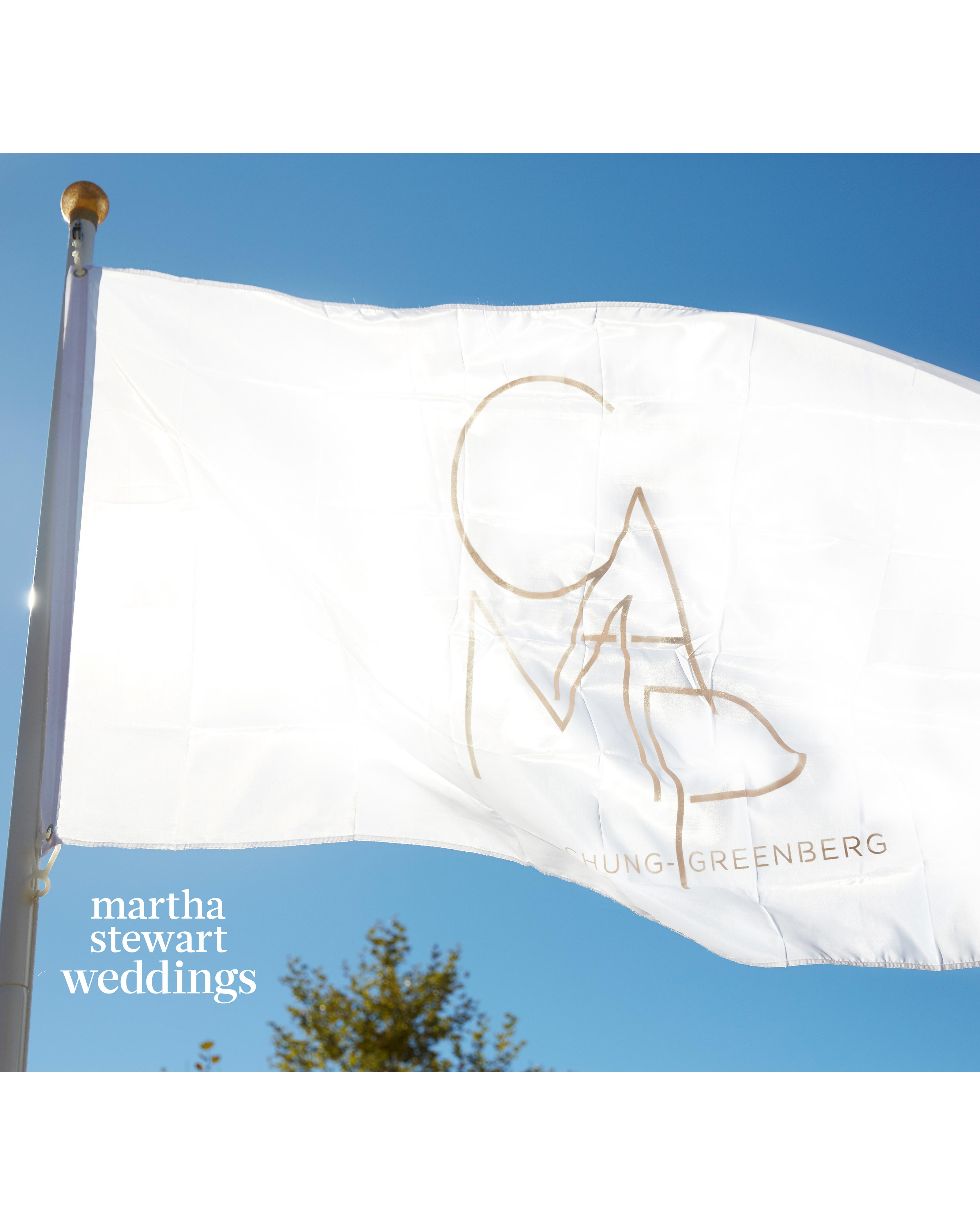 jamie-bryan-wedding-18-camp-flag-1020-d112664.jpg