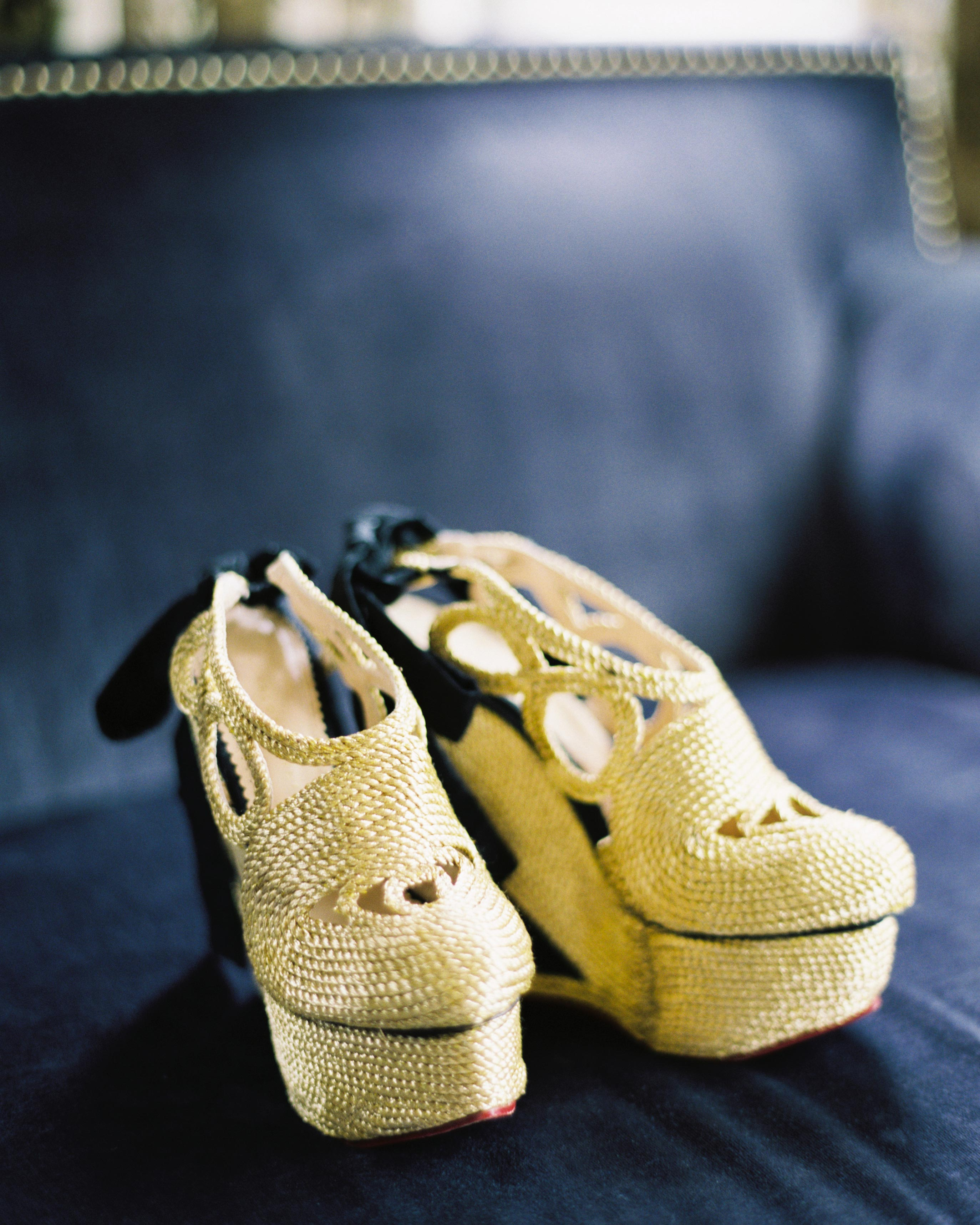 ginny-andrew-wedding-shoes-0059-s112676-0216.jpg