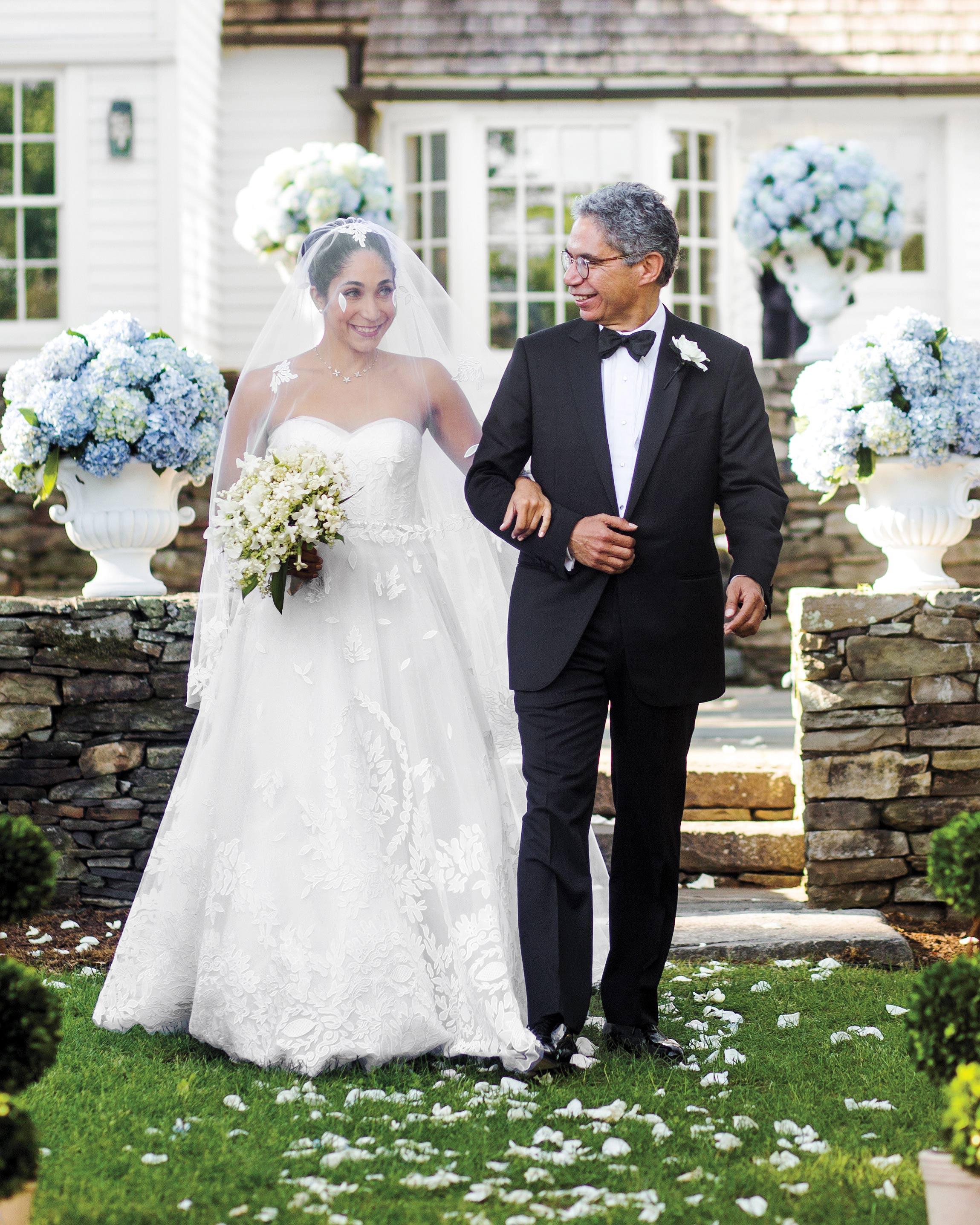 mhonor-jay-wedding-connecticut-walking-down-aisle-0820-d112238.jpg