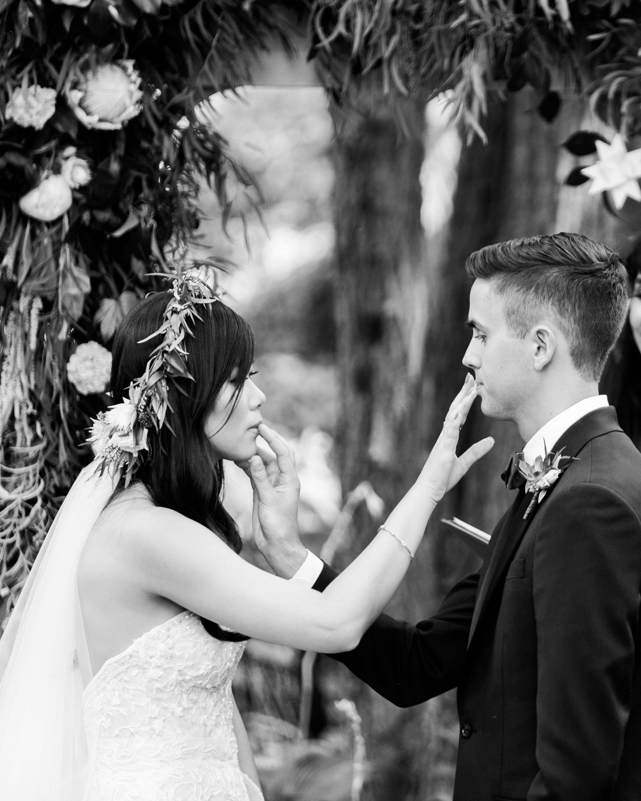 susan-tom-wedding-honeykiss-165-s112692-0316.jpg