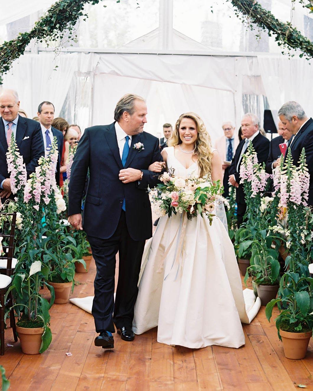 nikki-kiff-wedding-entrance-004759007-s112766-0316.jpg