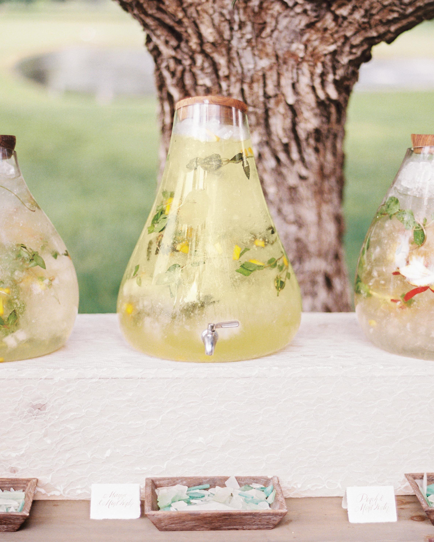 david-tyler-real-wedding-refreshing-cocktails-fruit.jpg