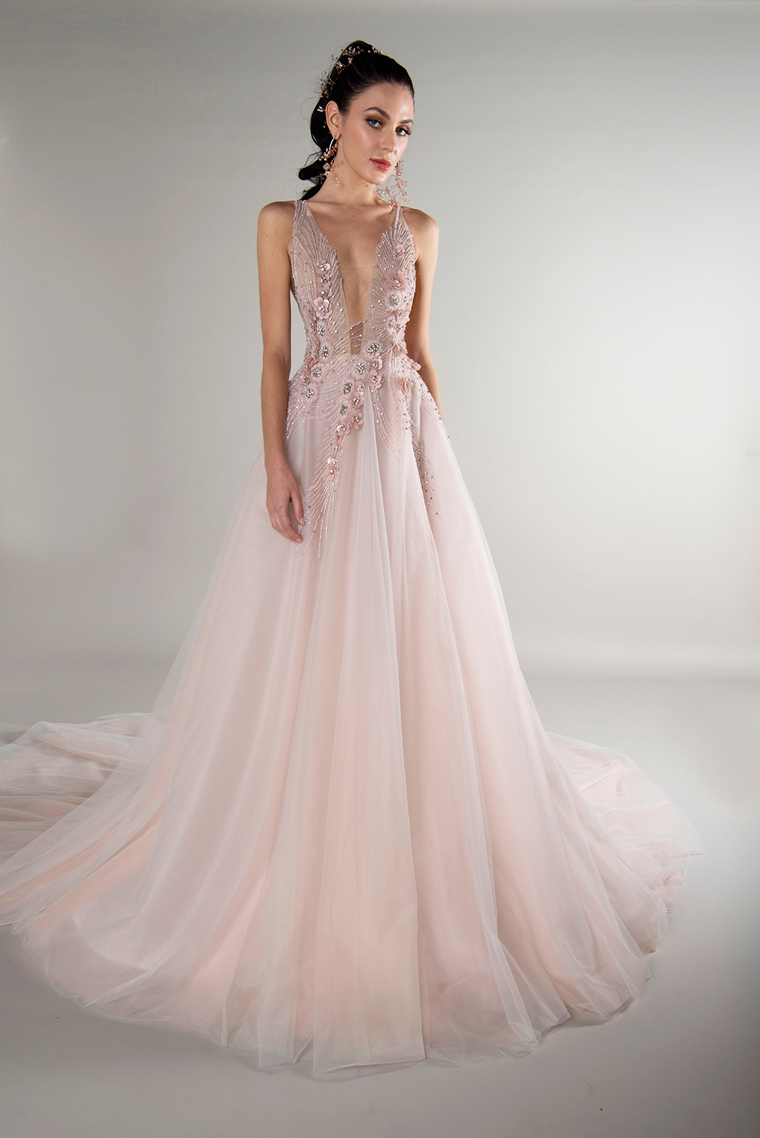 yumi katsura fall 2019 ball gown plunging neckline sleeveless floral beaded applique pink