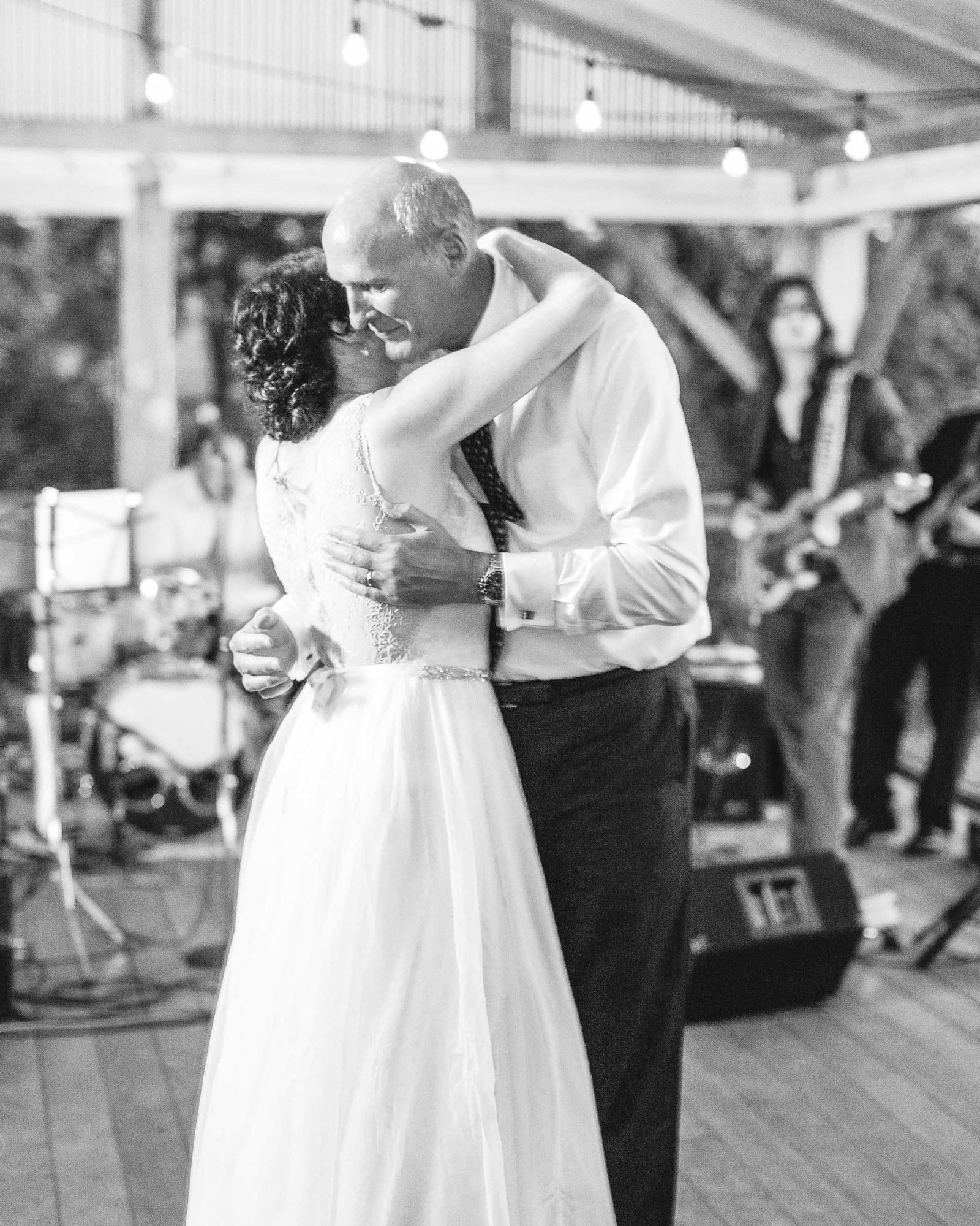 sarah-michael-wedding-dad-dance-967-s112783-0416.jpg