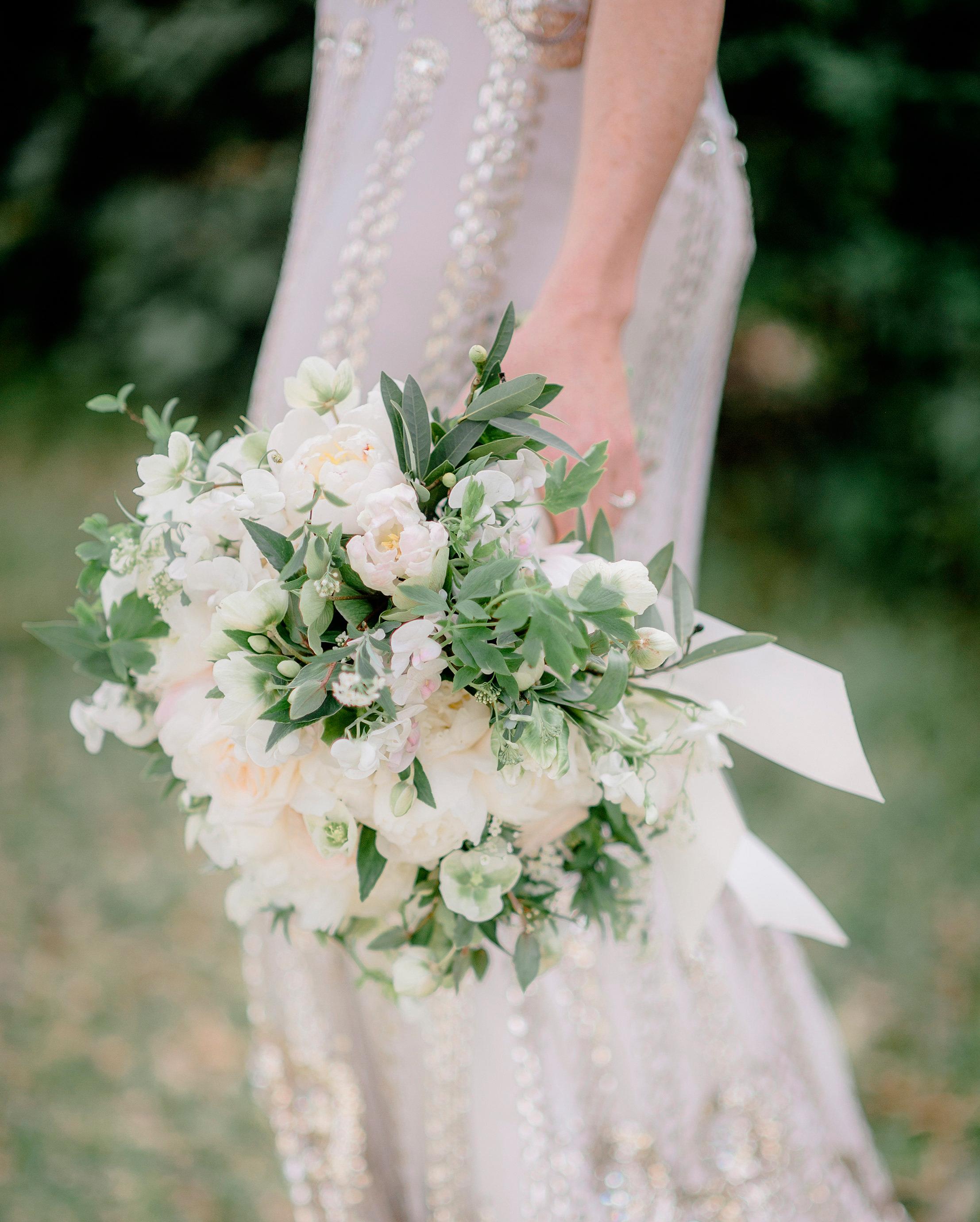 melany-drew-wedding-bouquet-024-s112184-0915.jpg