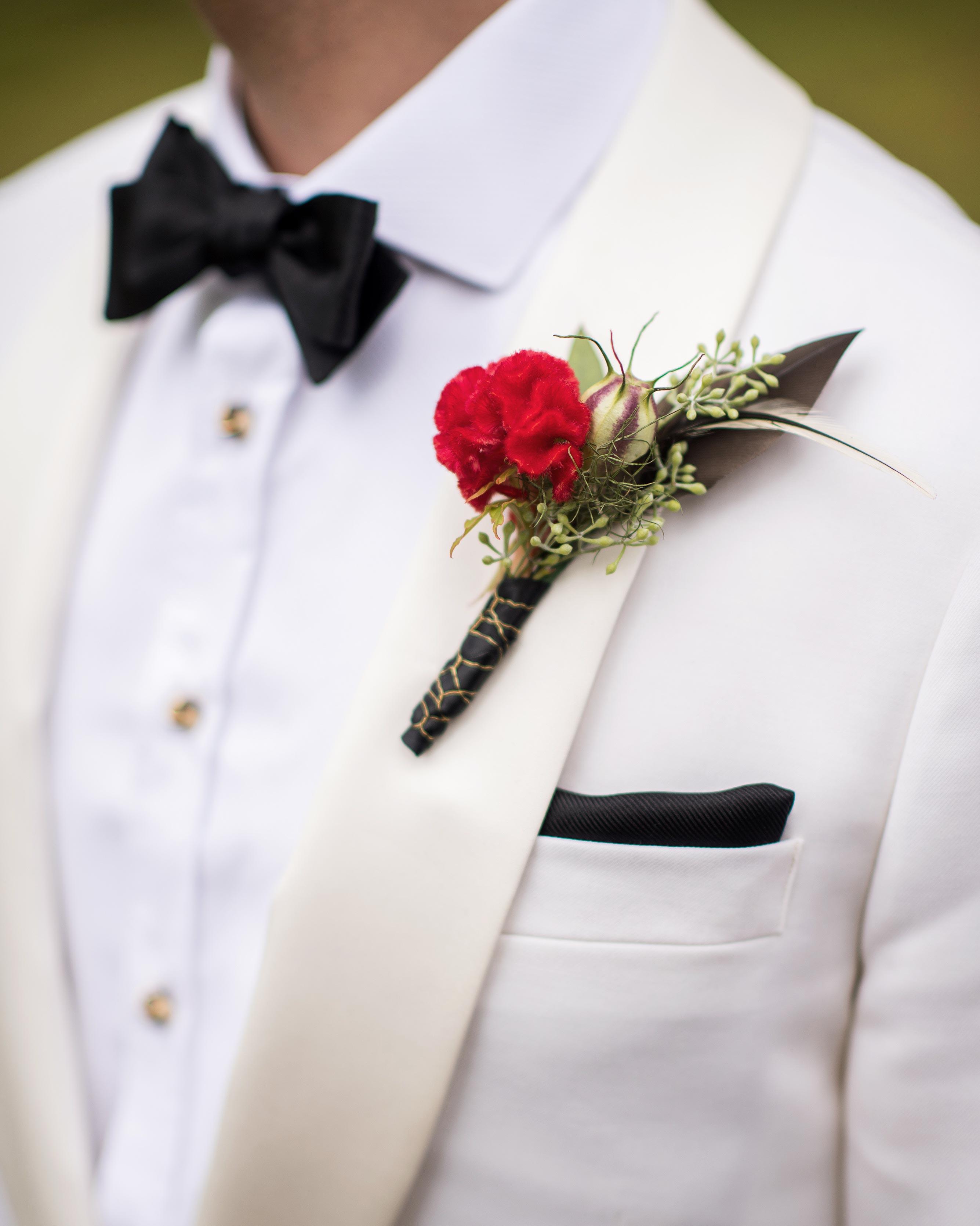 christopher-stephen-wedding-boutonniere-0351-s112787-0416.jpg