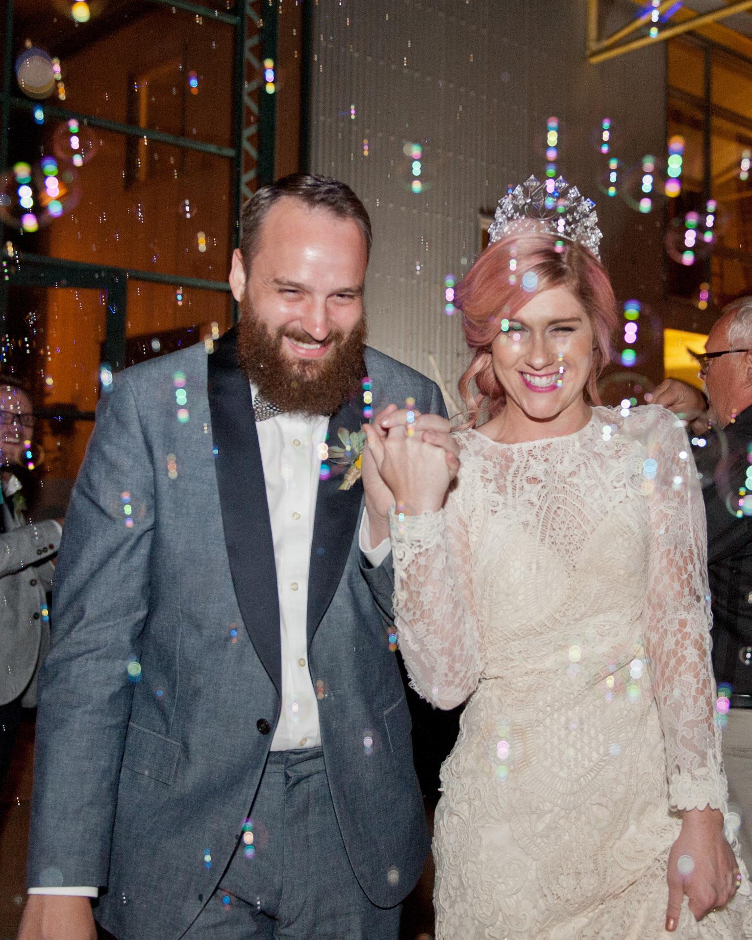abby-chris-wedding-texas-getaway-bubbles-0847-s112832-0516.jpg