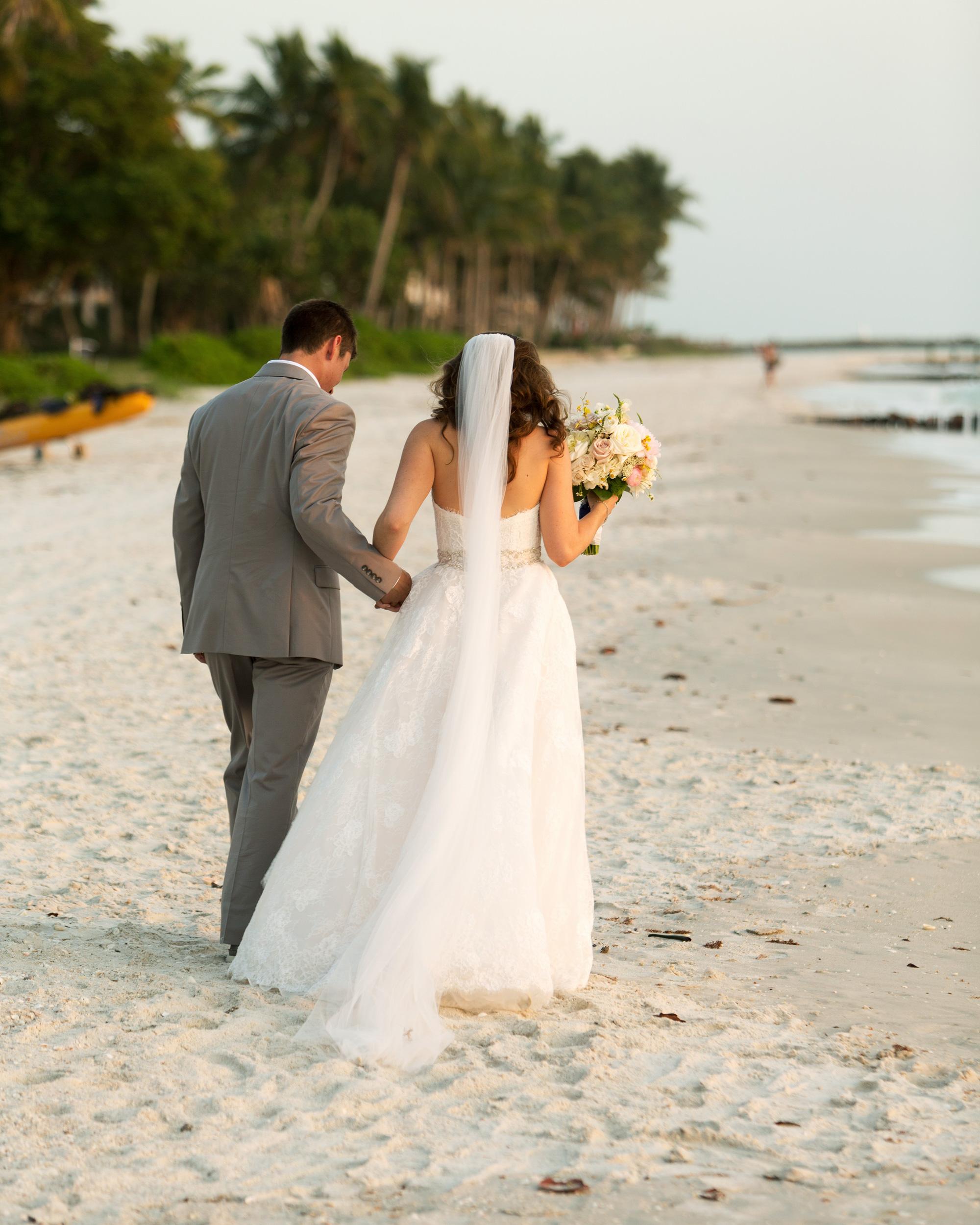 erin-ryan-florida-wedding-couple-beach-1035-s113010-0516.jpg