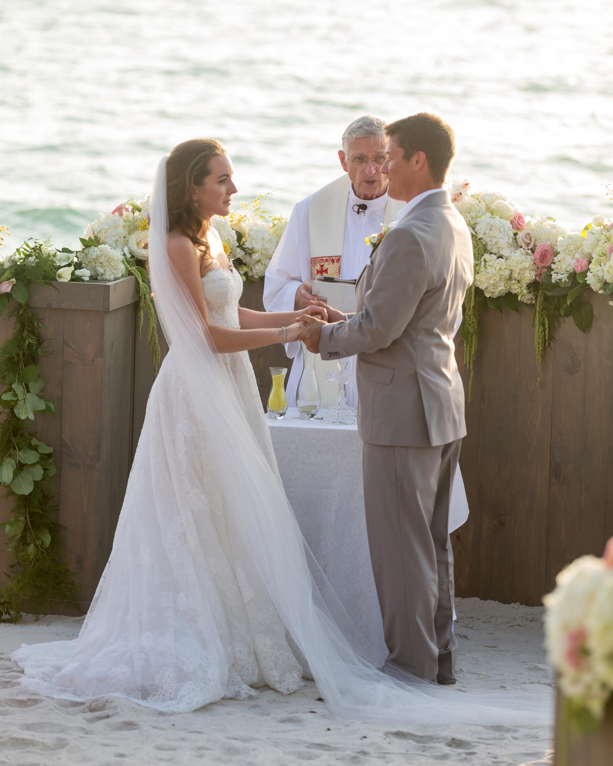 erin-ryan-florida-wedding-couple-ceremony-0901-s113010-0516.jpg