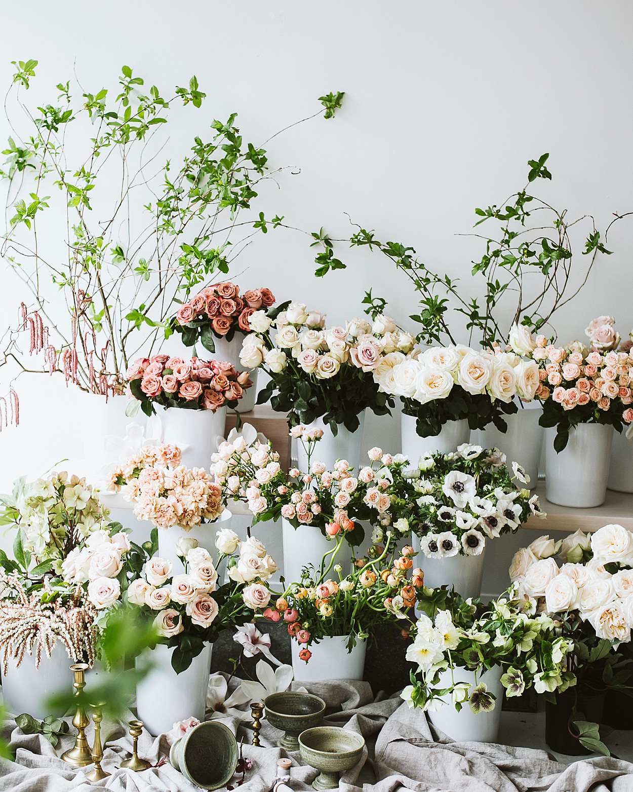 romantic-wedding-flowers-pots-0516.jpg