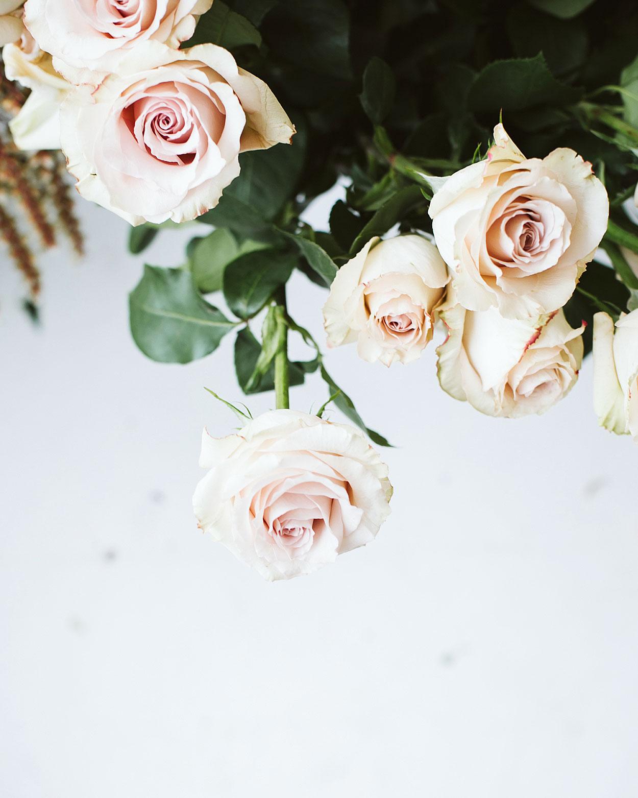 romantic-wedding-flowers-standard-rose-0516.jpg