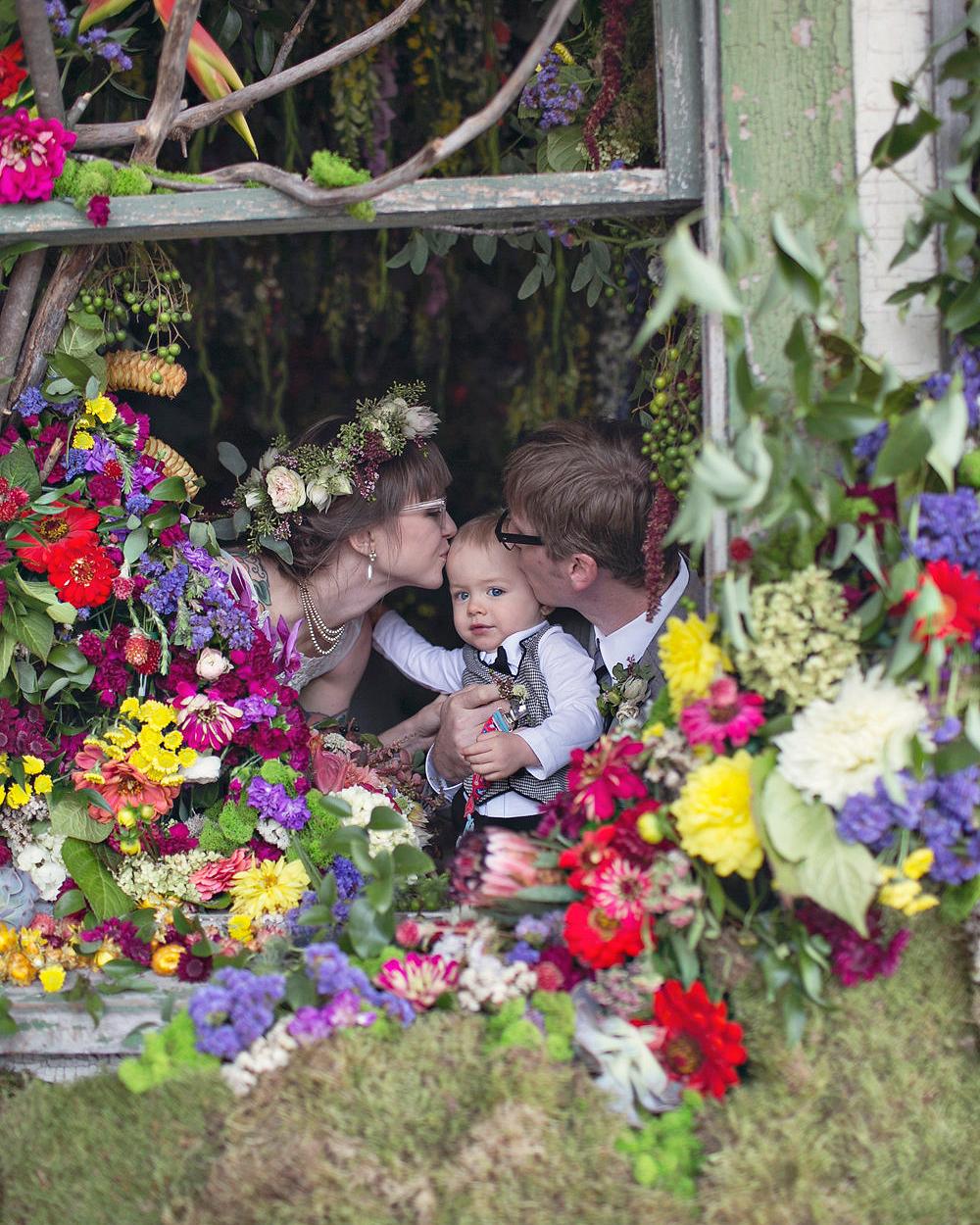 kristen-steve-flowerhouse-wedding-family-6313-s113059-0616.jpg